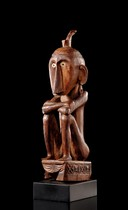 Squatting ancestor figure, Indonesien - Molukken