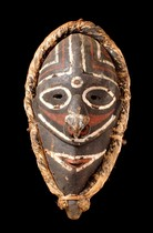 "Mask ""lewa"", Schouten Islands"