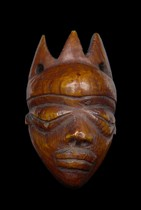Anthropomorphe Amulettmaske &quot;ikoko&quot;, D. R. Kongo, Pende