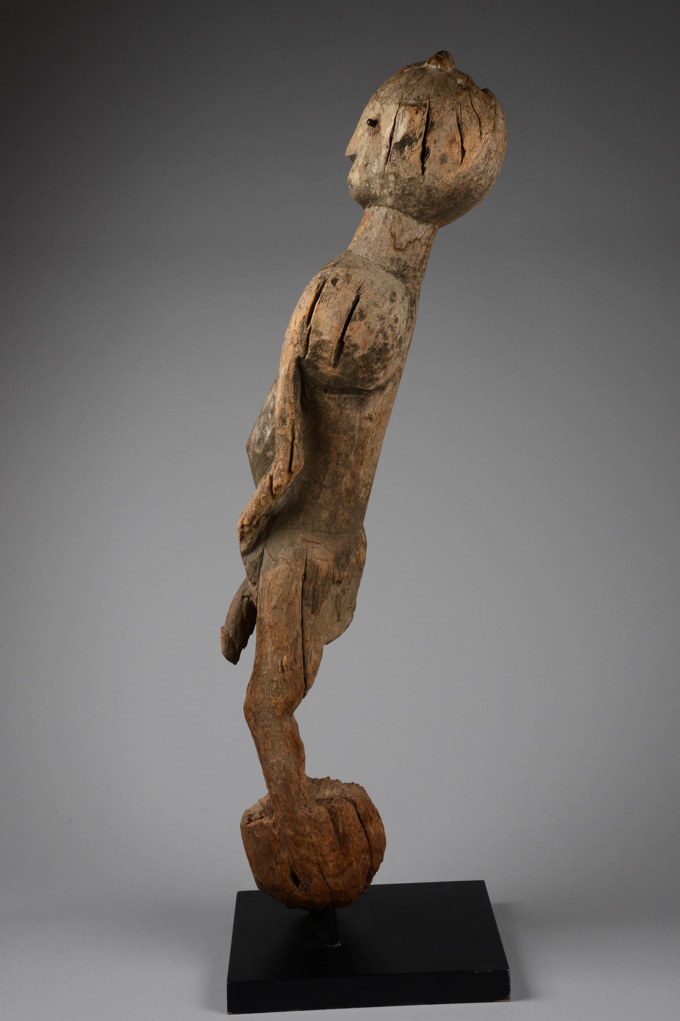 """Figure masculine debout """"ihambe"""""""