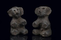 Pair of seated figures, Tanzania, Shambala