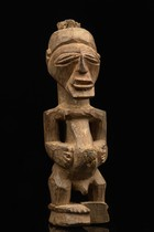 Small standing power figure &quot;nkisi&quot;, D. R. Congo, Songe