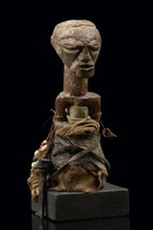 Power half figure, D. R. Congo, Tetela