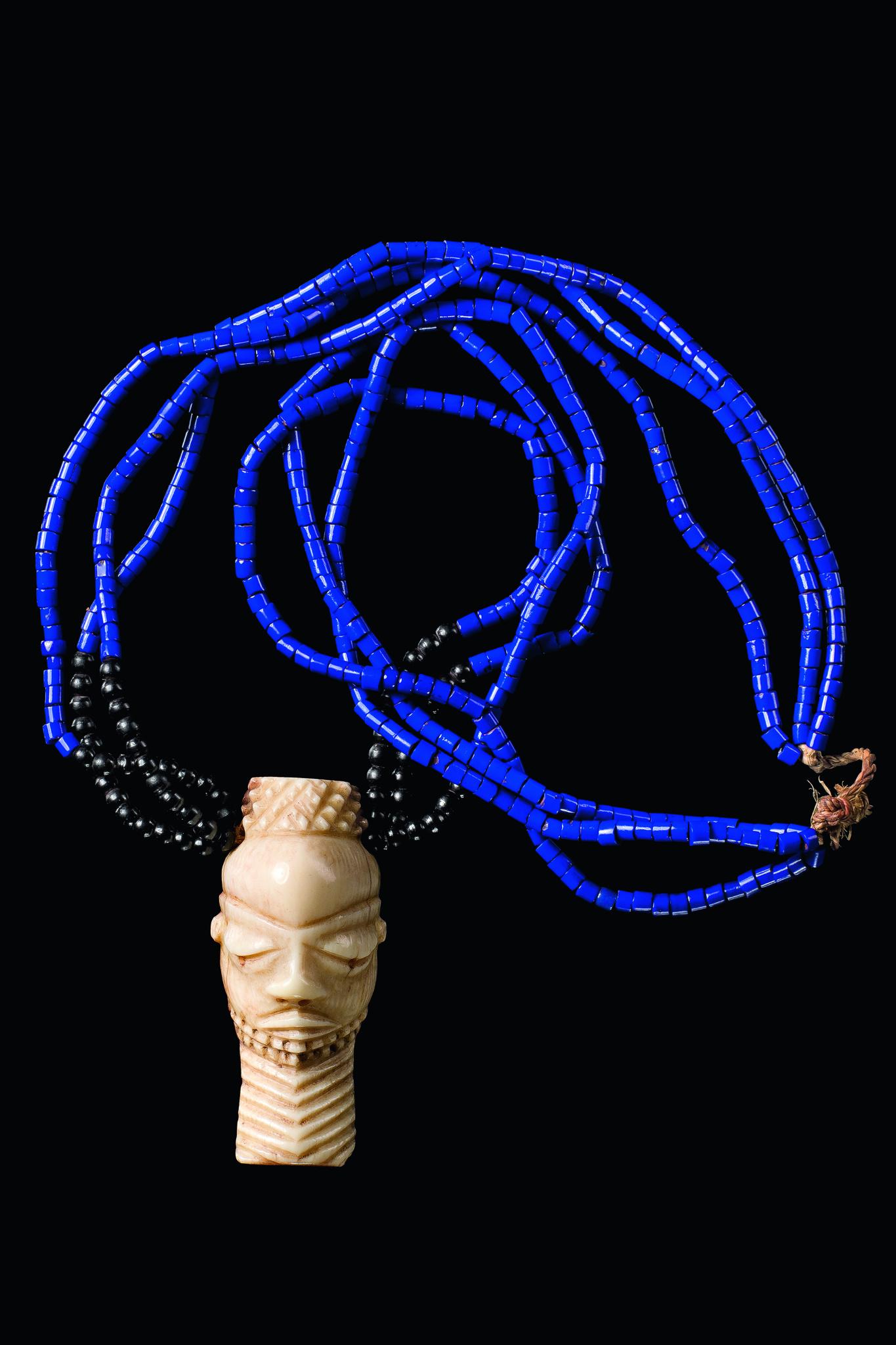 """Halskette mit anthropomorpher Amulettmaske """"ikoko"""""""