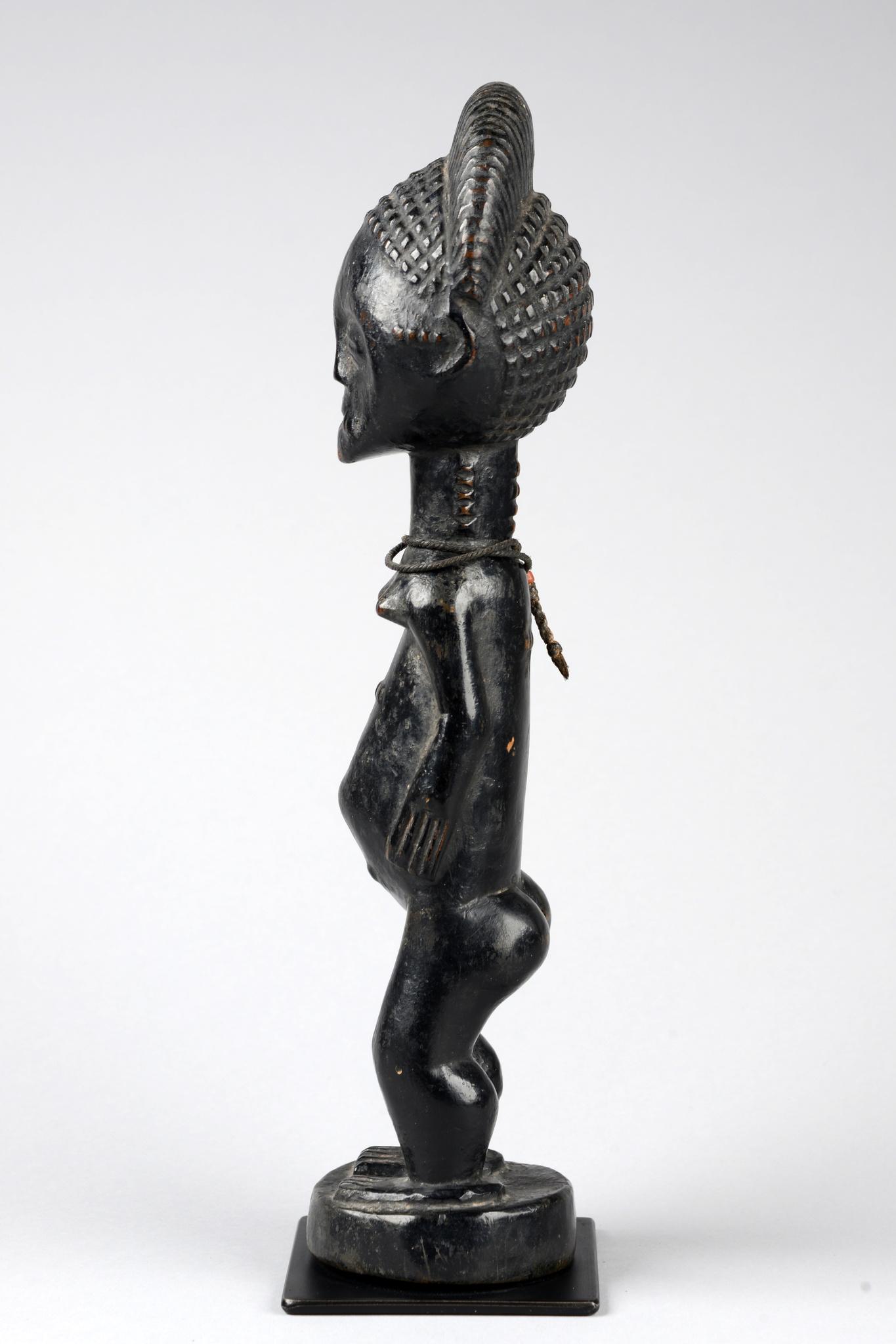 Stehende weibliche Figur