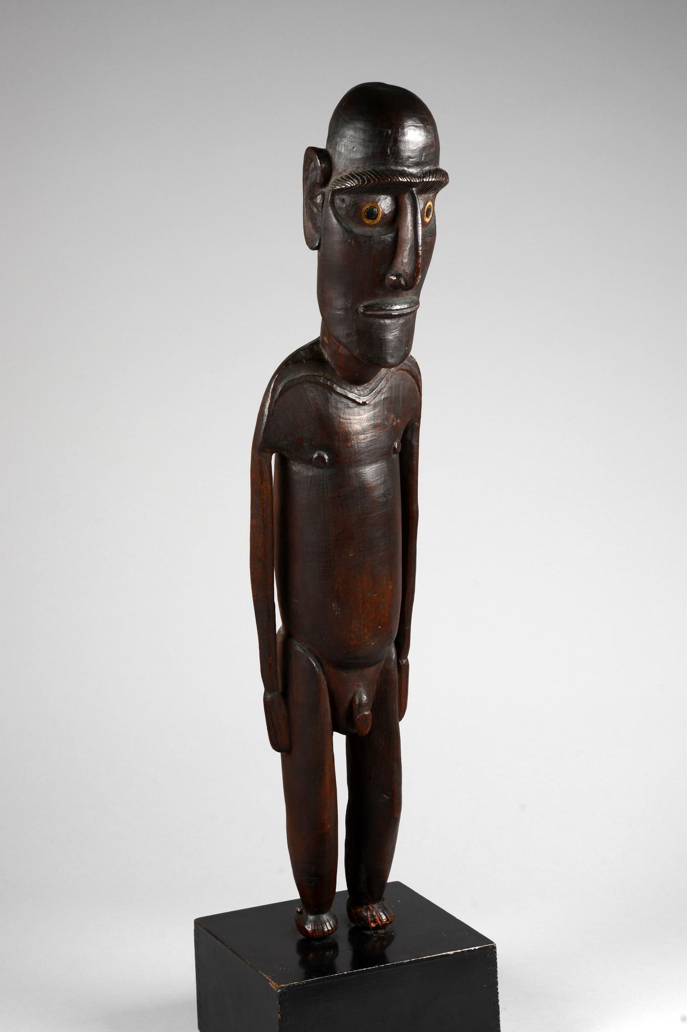 "Stehende männliche Figur ""moai tangata"""