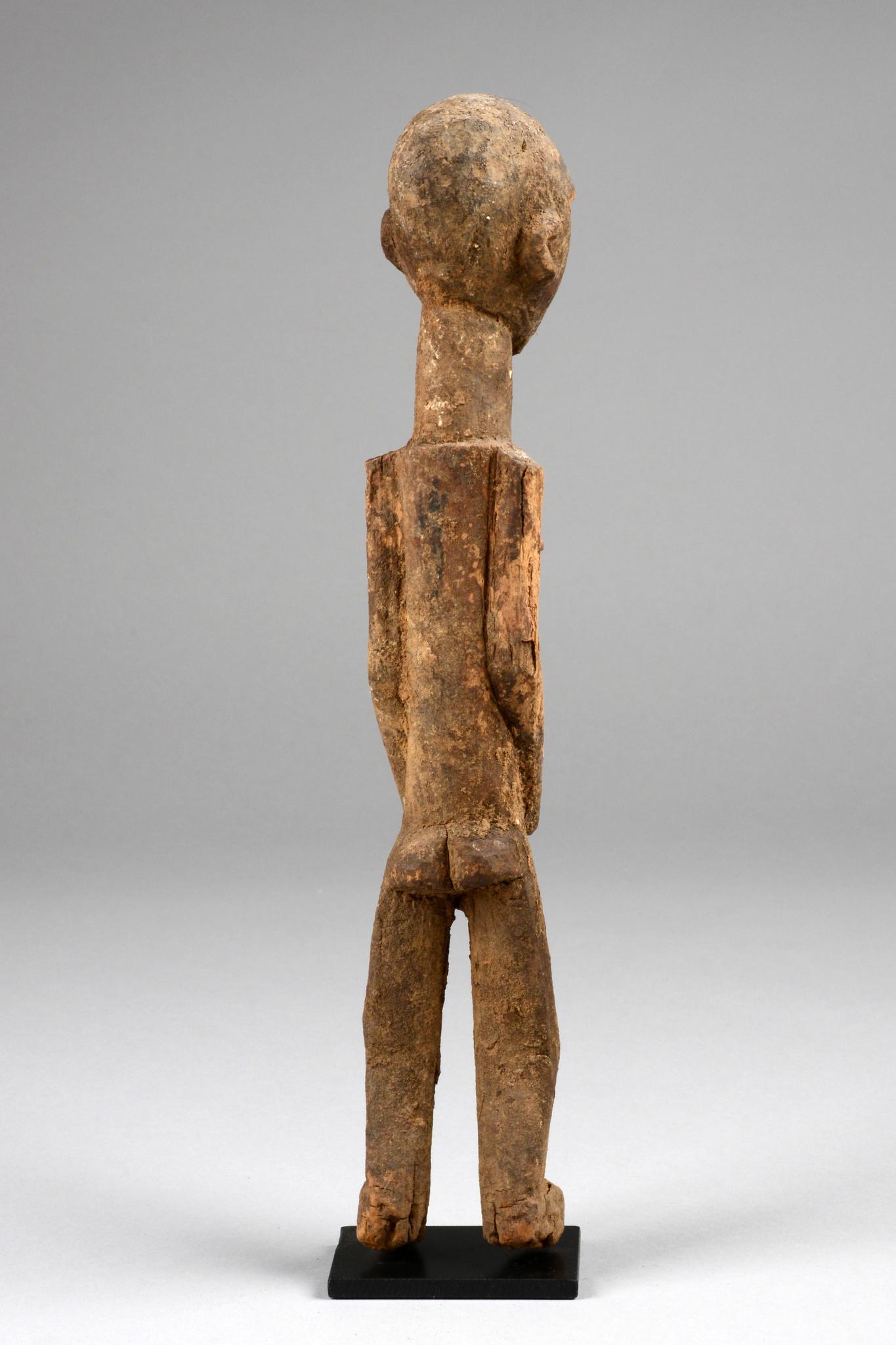 "Standing male figure ""bateba phuwe"""