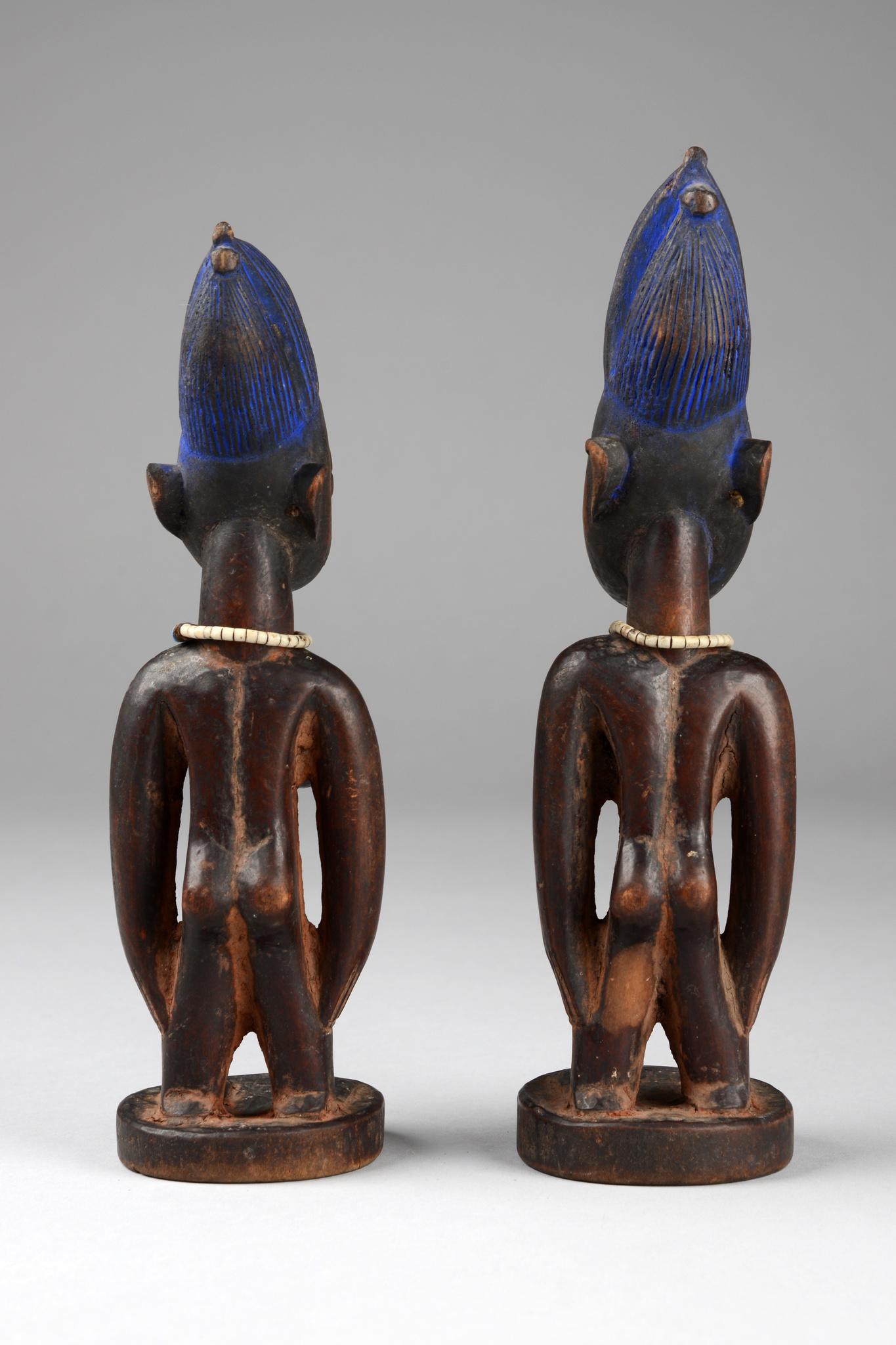 "Weibliches Zwillingsfigurenpaar ""ere ibeji"""