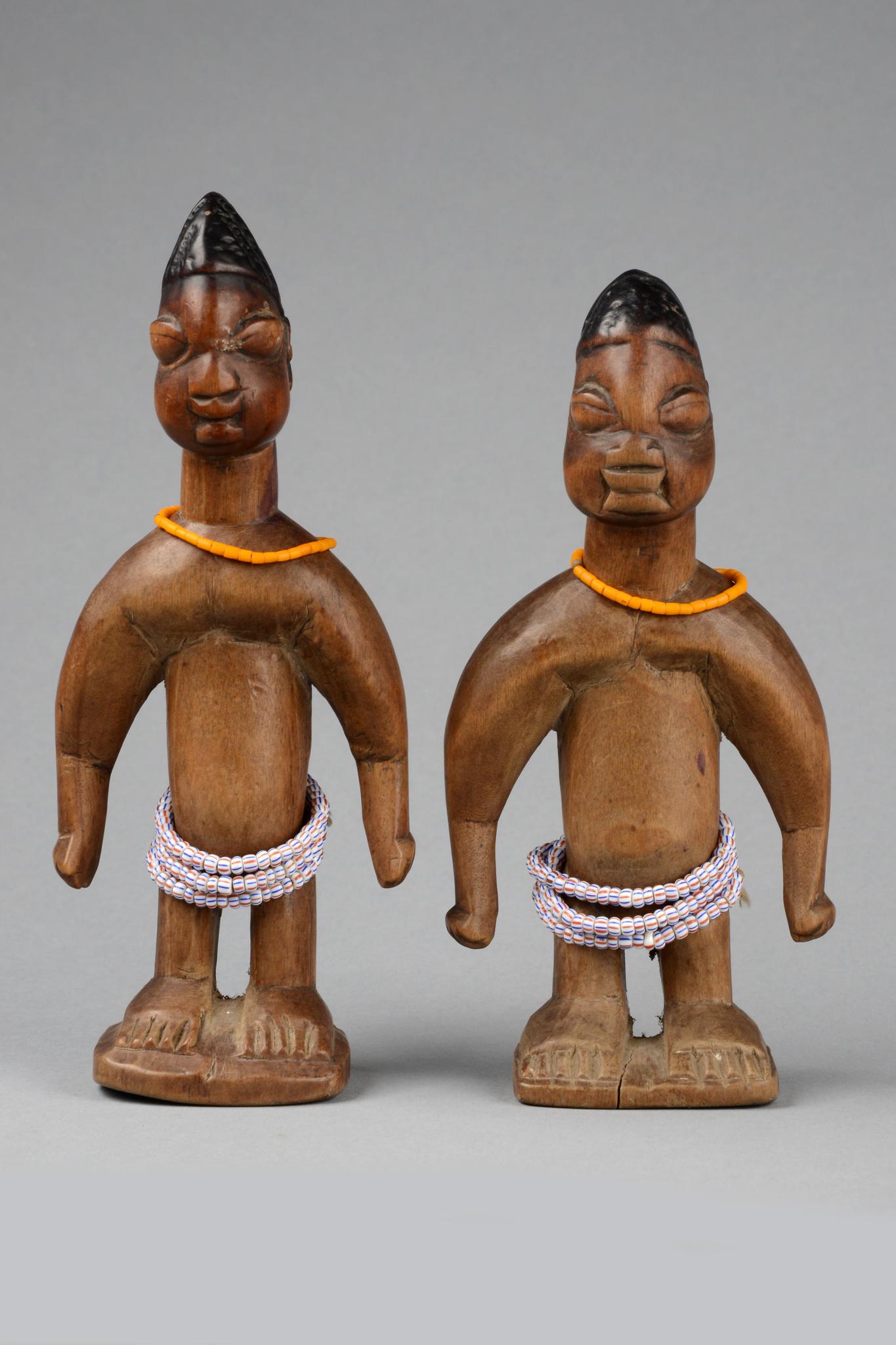 Männliches Zwillingsfigurenpaar