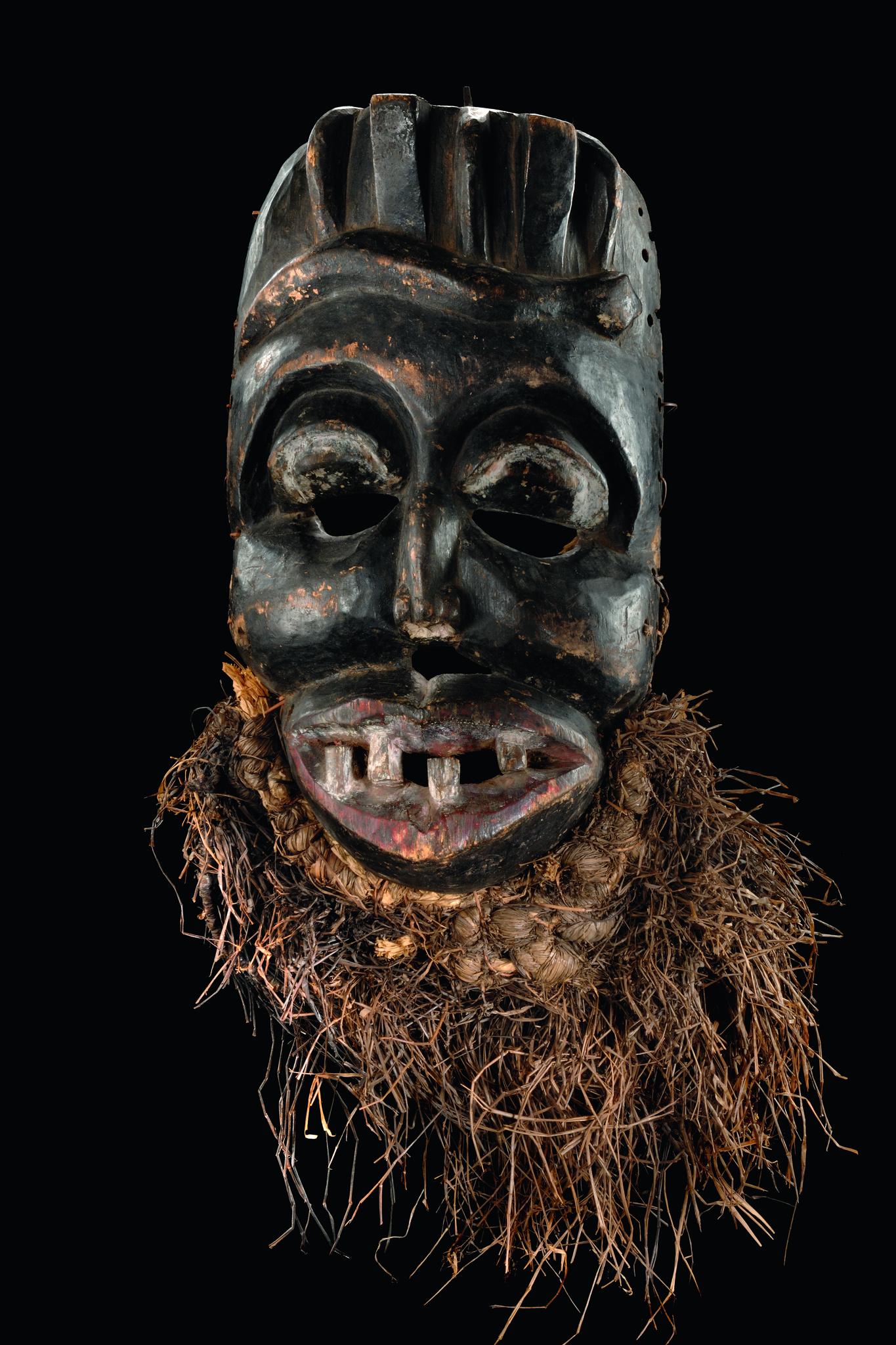 "Big dance mask with raffia beard ""idiok"""