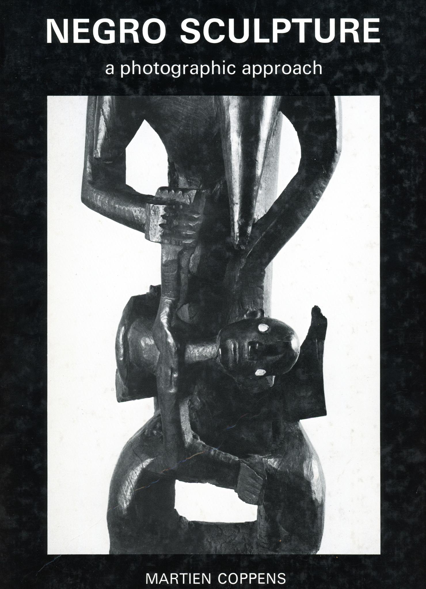 Figure masculine debout