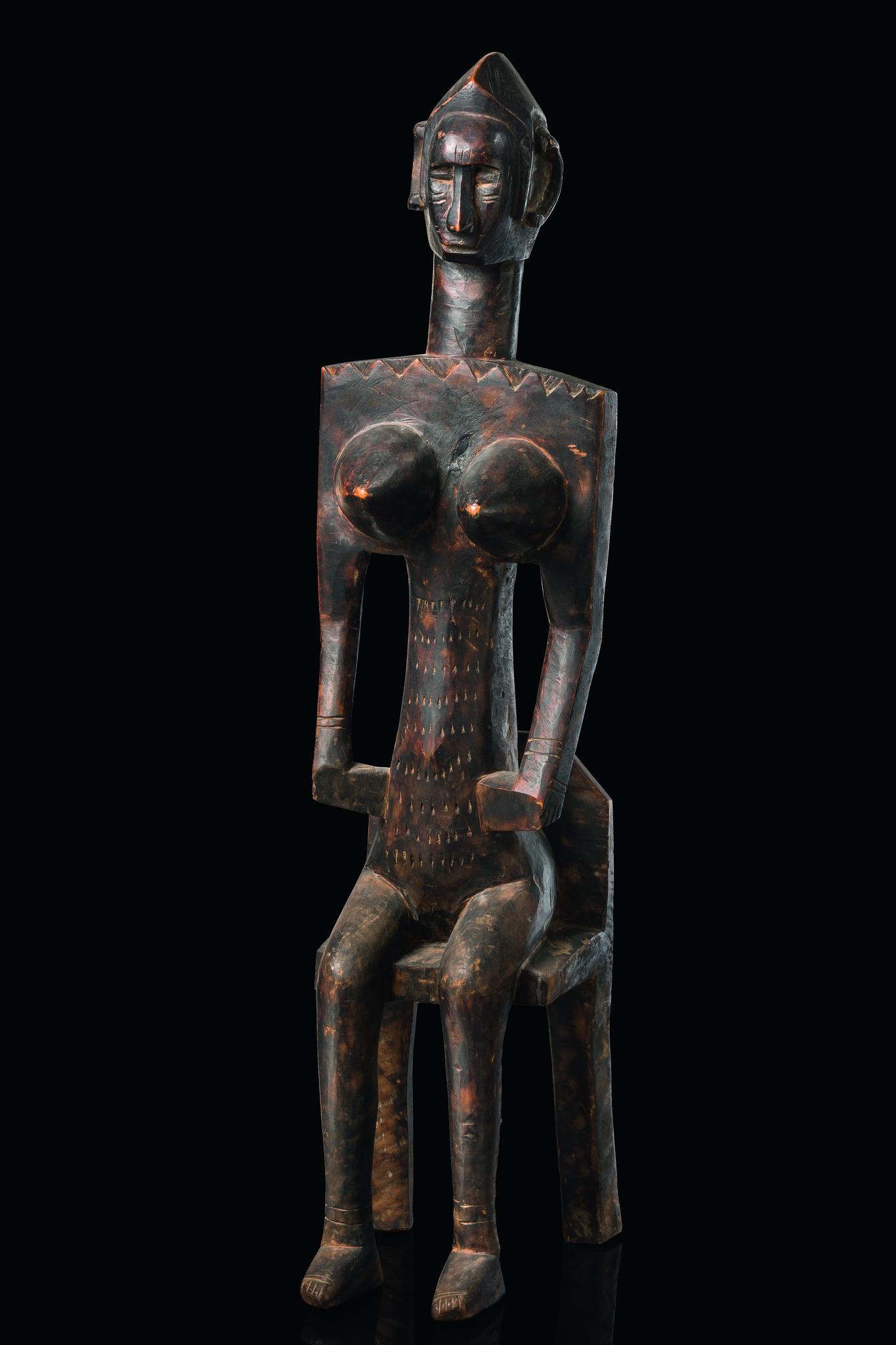 """Sitzende weibliche Figur """"jo nyeleni"""""""