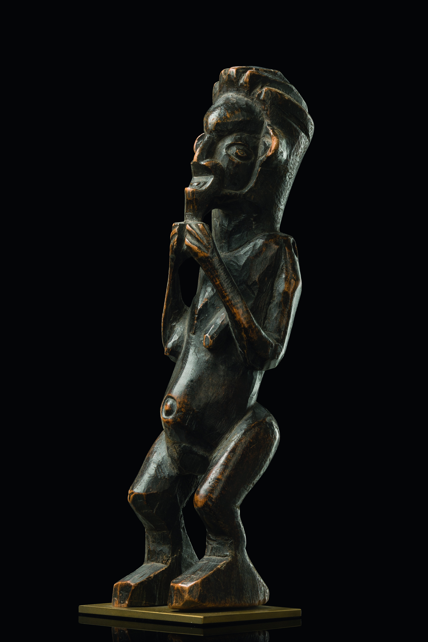 "Standing female figure ""biteki"""