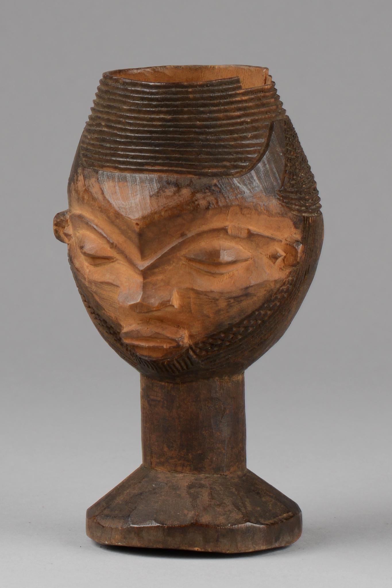 Anthropomorpher Kopfbecher