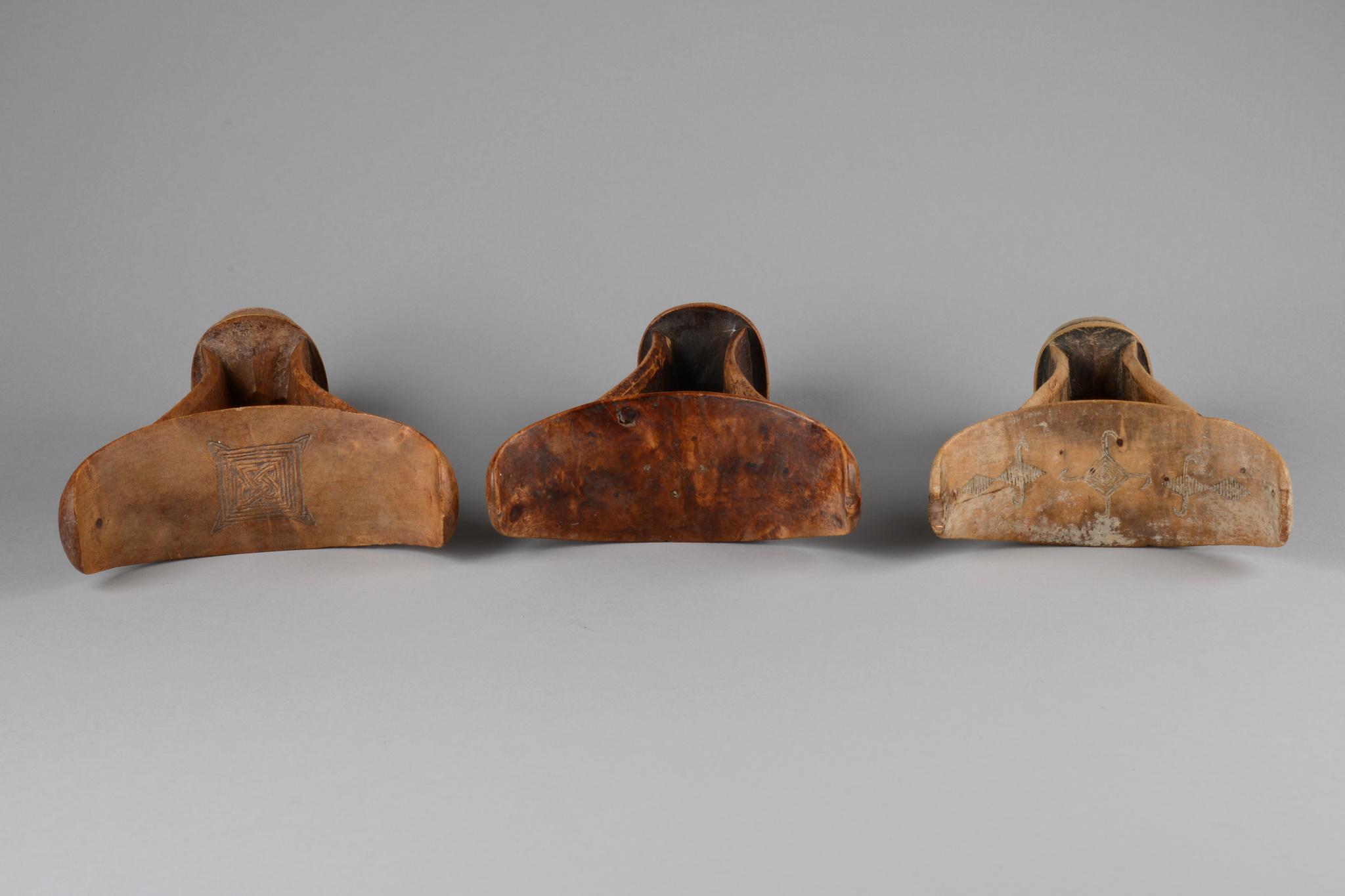 Drei Nackenstützen