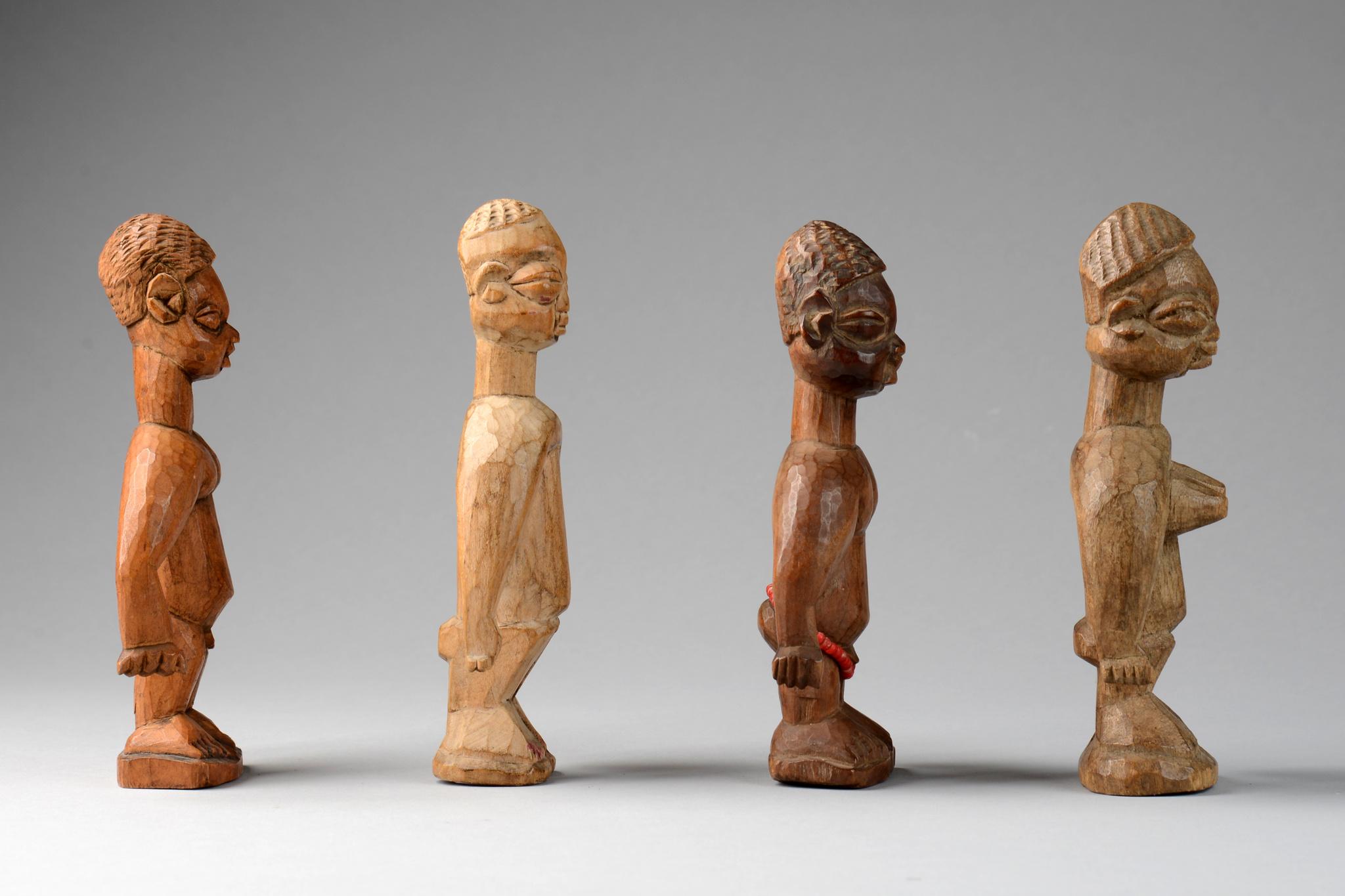 """Vier Zwillingsfiguren """"venavi"""""""