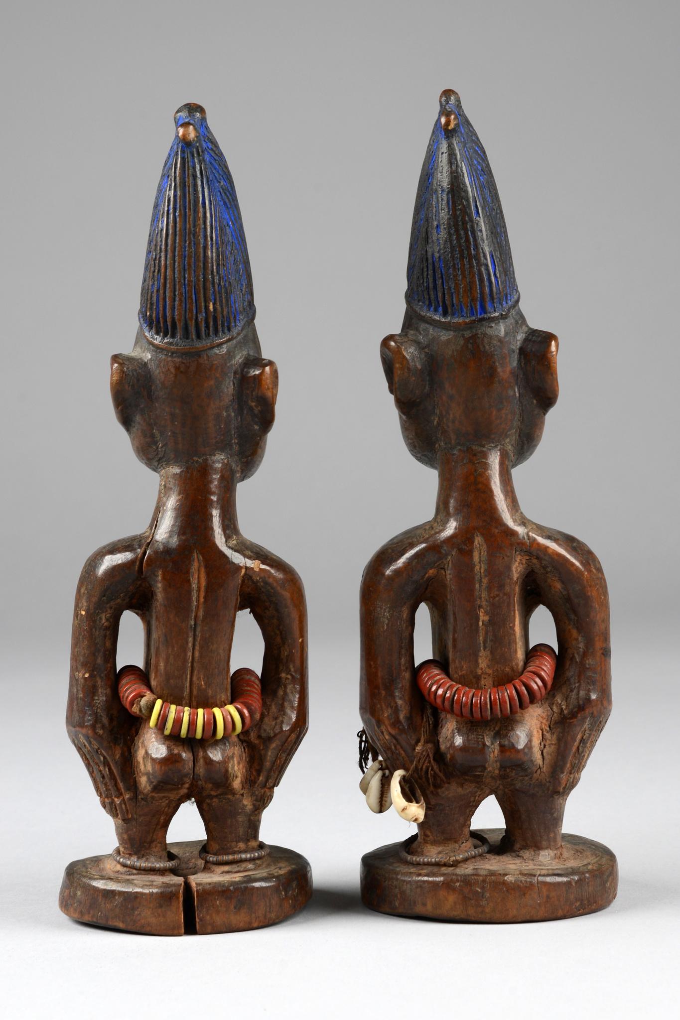 """Couple of female twin figures """"ere ibeji"""""""