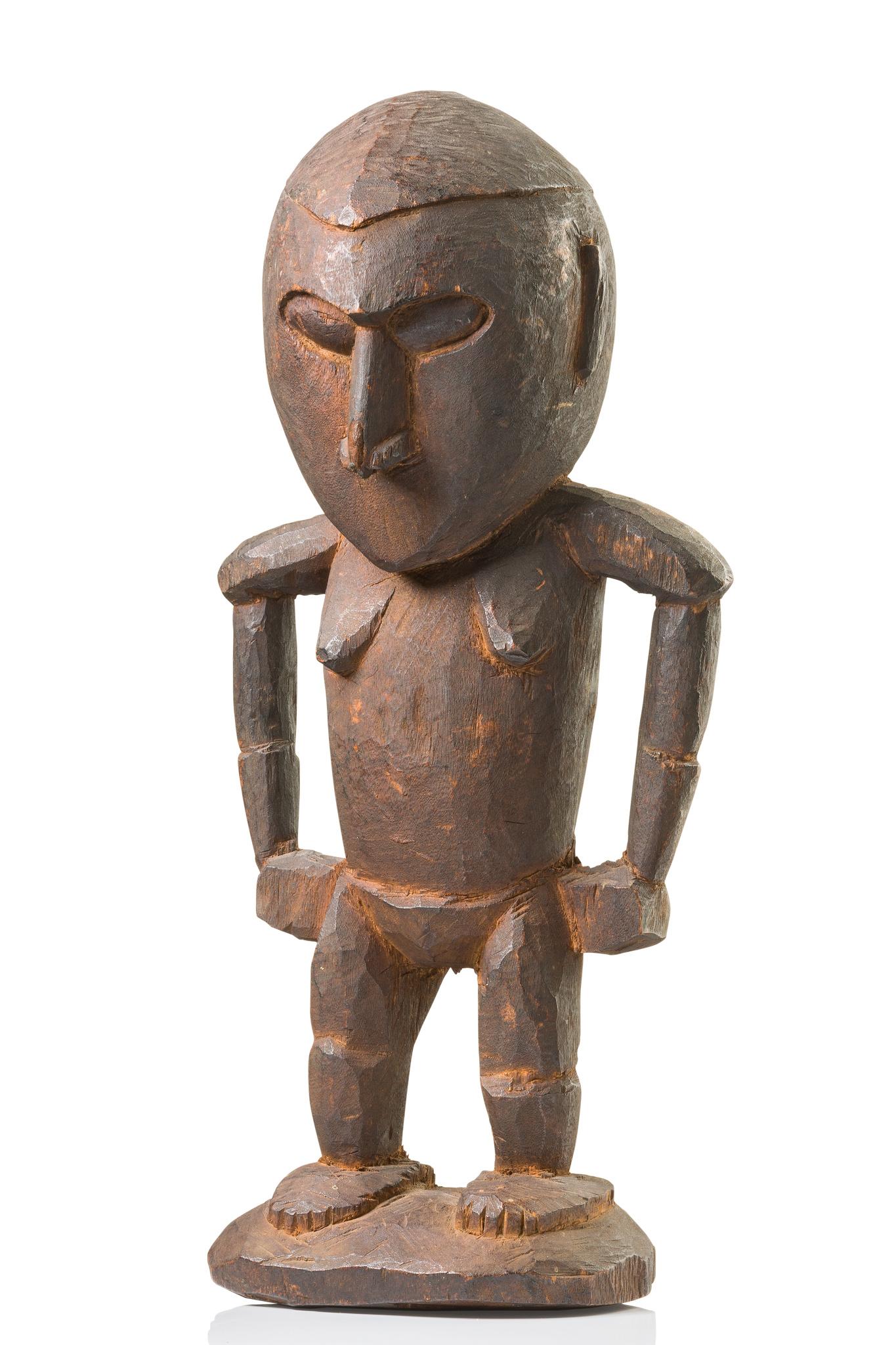 Figure d´ancêtre féminine debout