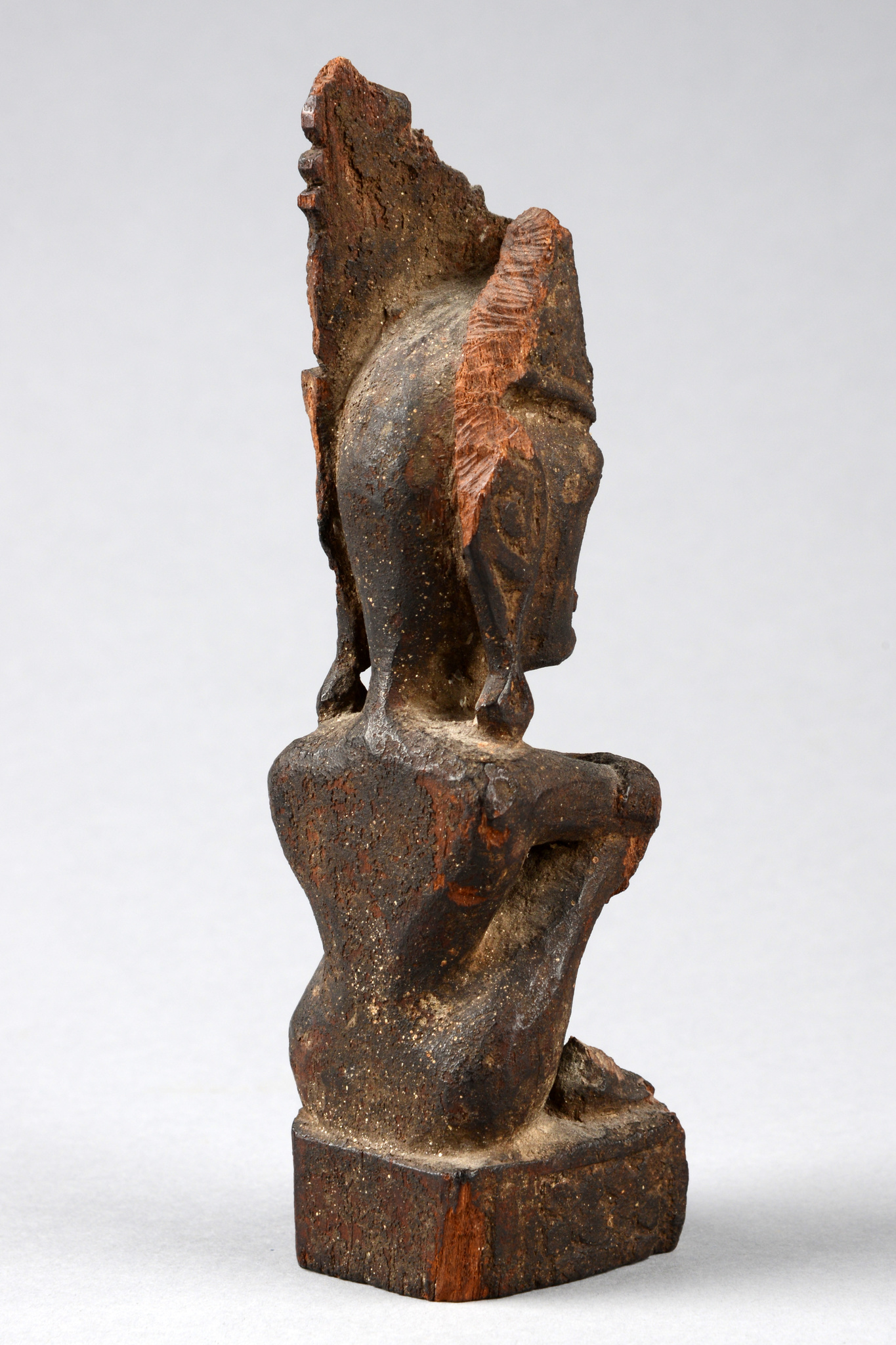 "Seated ancestor figure ""iene"""