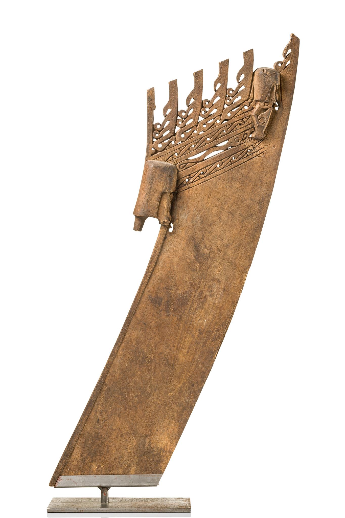 Prow ornament of a canoe