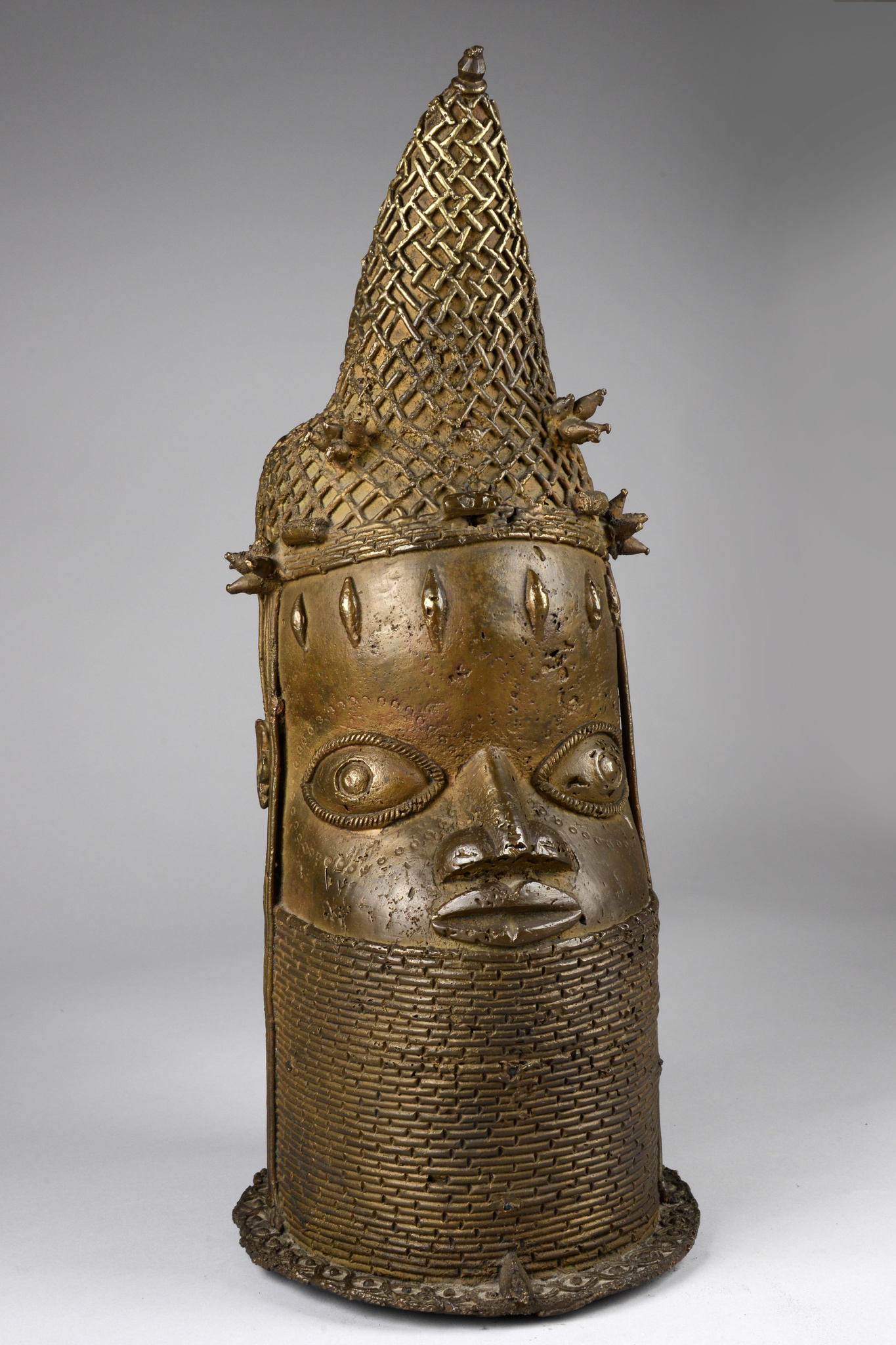 "Head of a Queen Mother ""uhunmwun eloo"", 19th century"