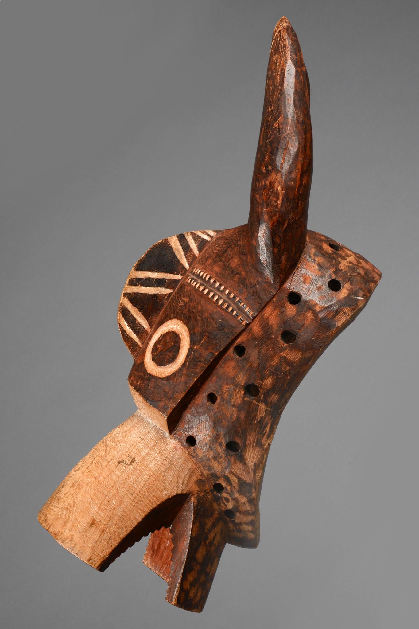 Buschkuh-Maske