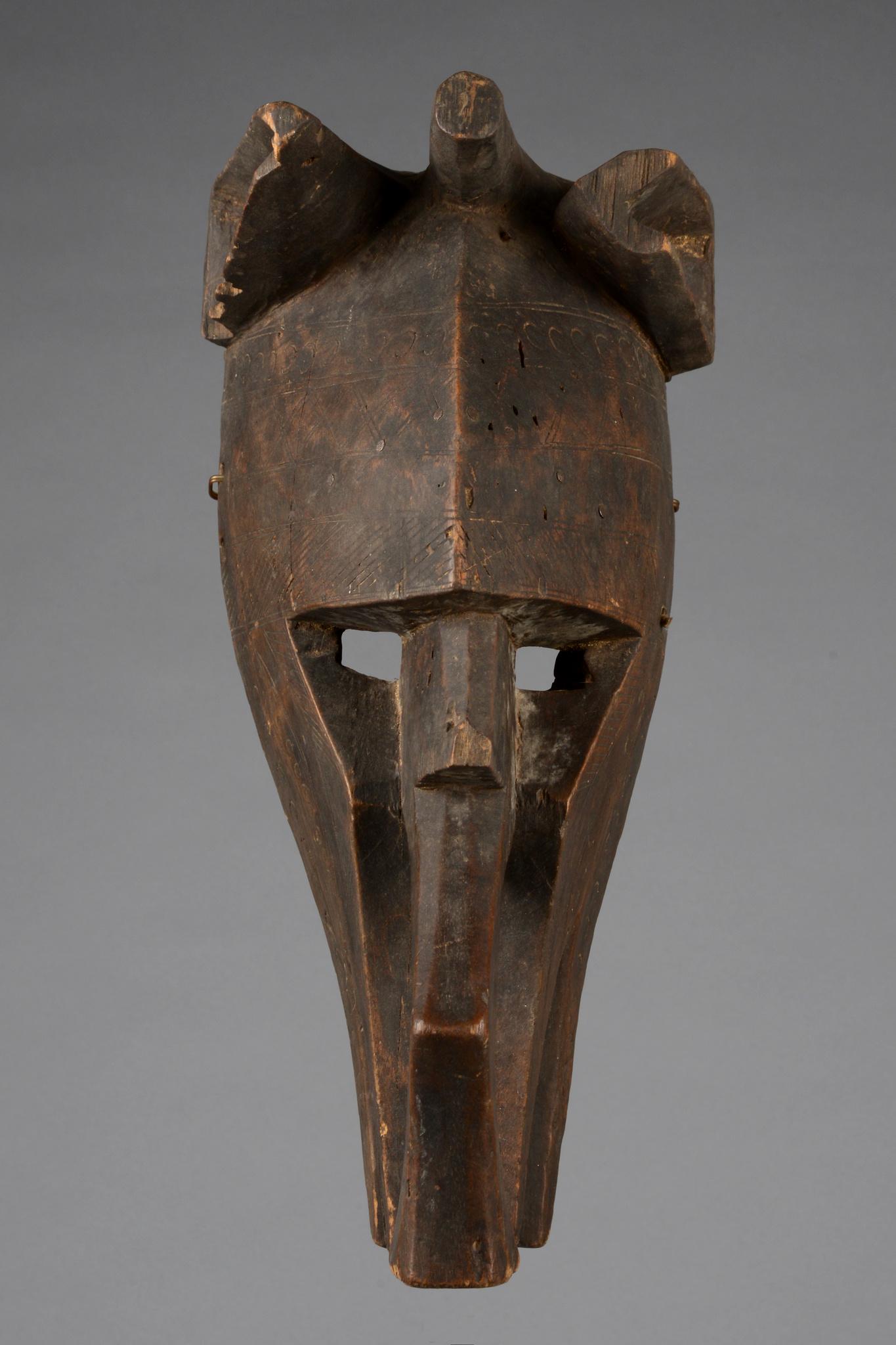 "Zoomorphic mask ""sukun"""