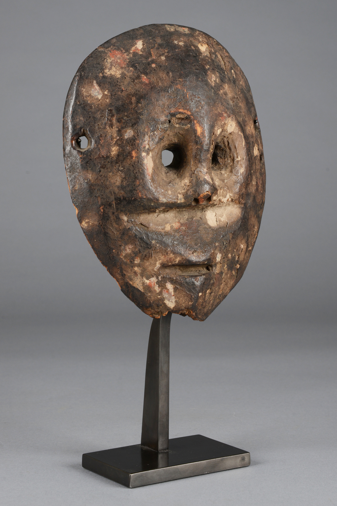 "Rare mask type ""muminia"" (in shape of a monkey), 19th century"
