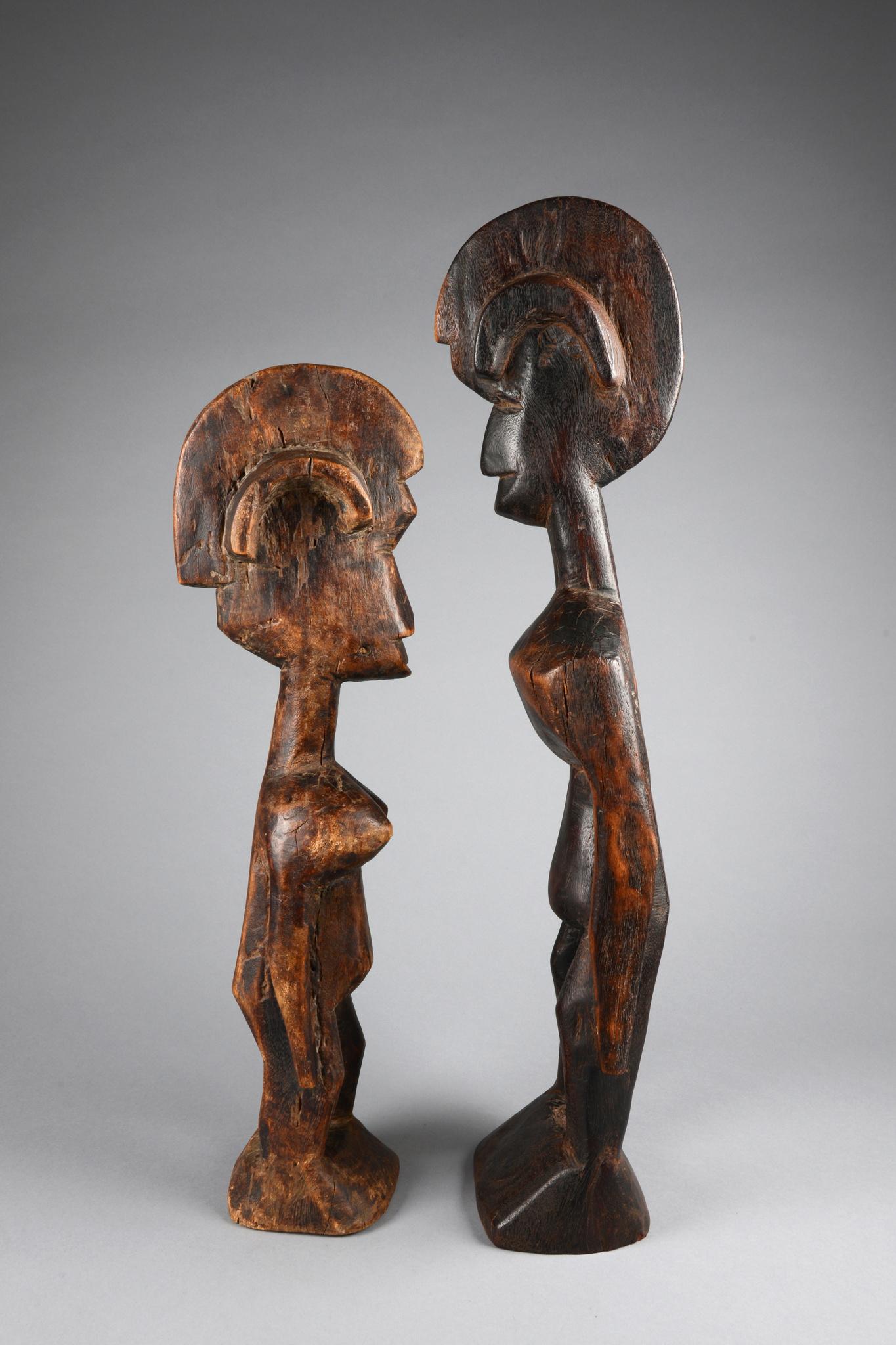 Seltenes männlich/weibliches Figurenpaar