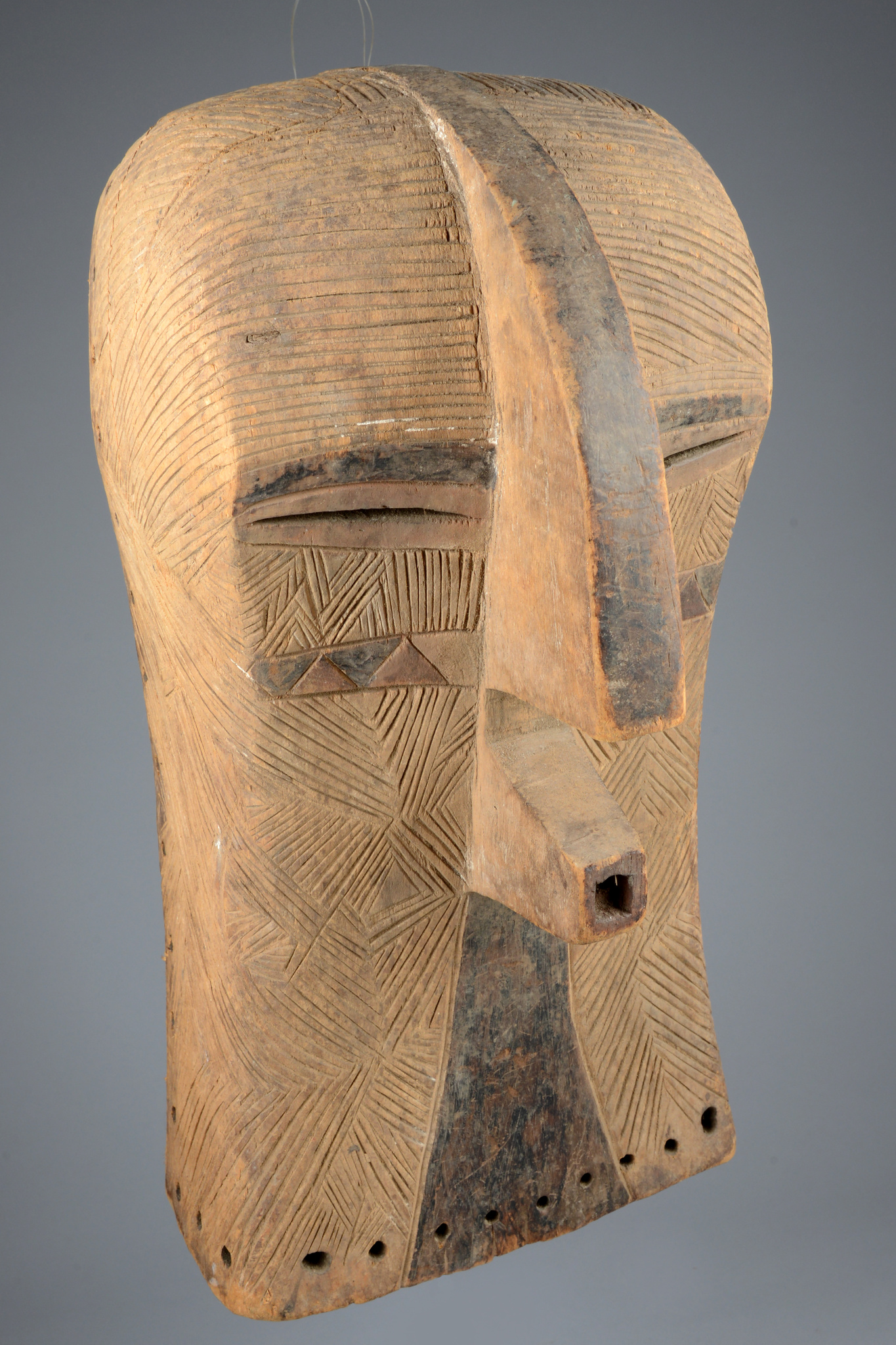 "Mask ""kifwebe"", female type ""kikashi"""