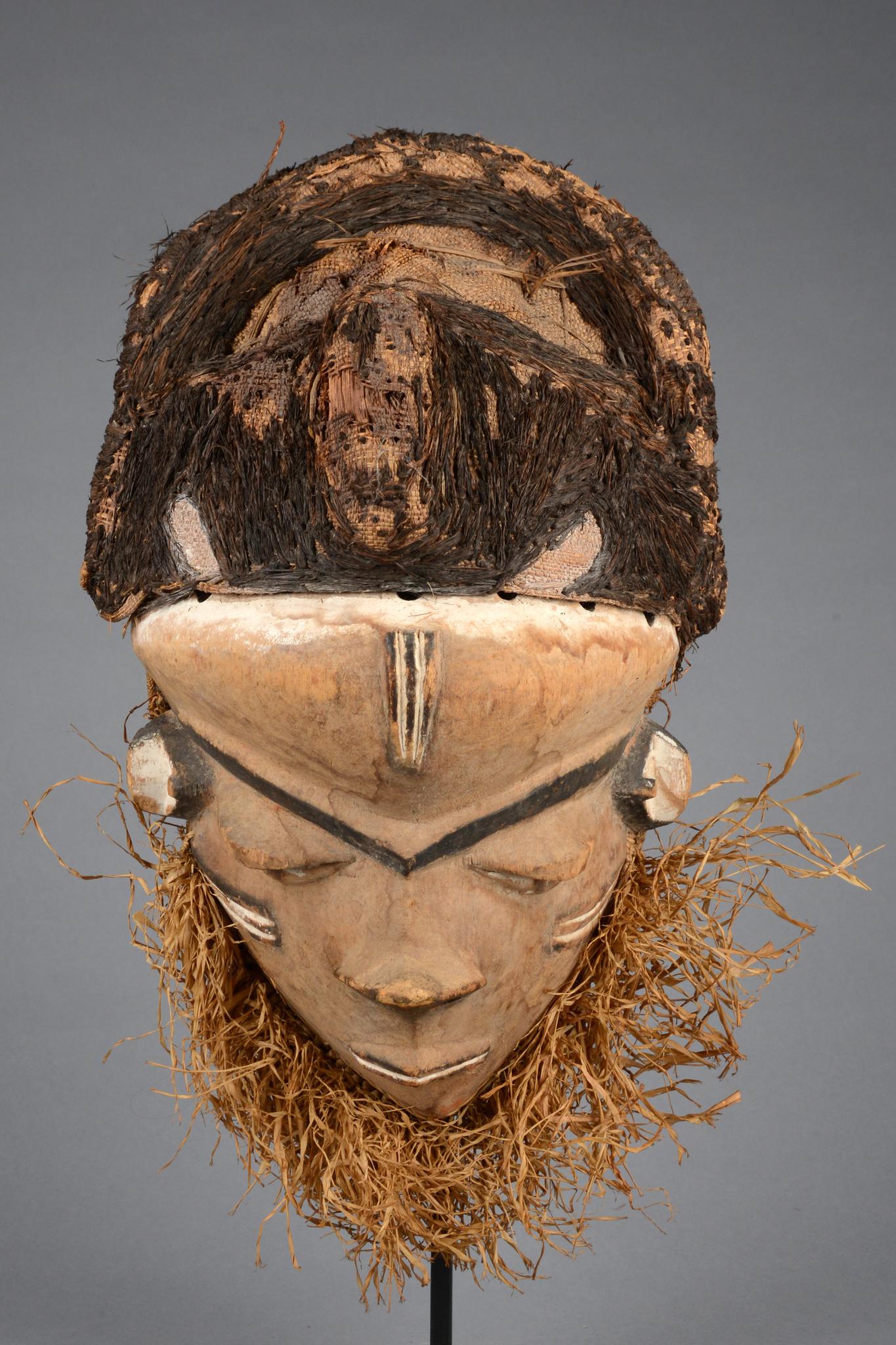 """Mask """"mbuya"""""""