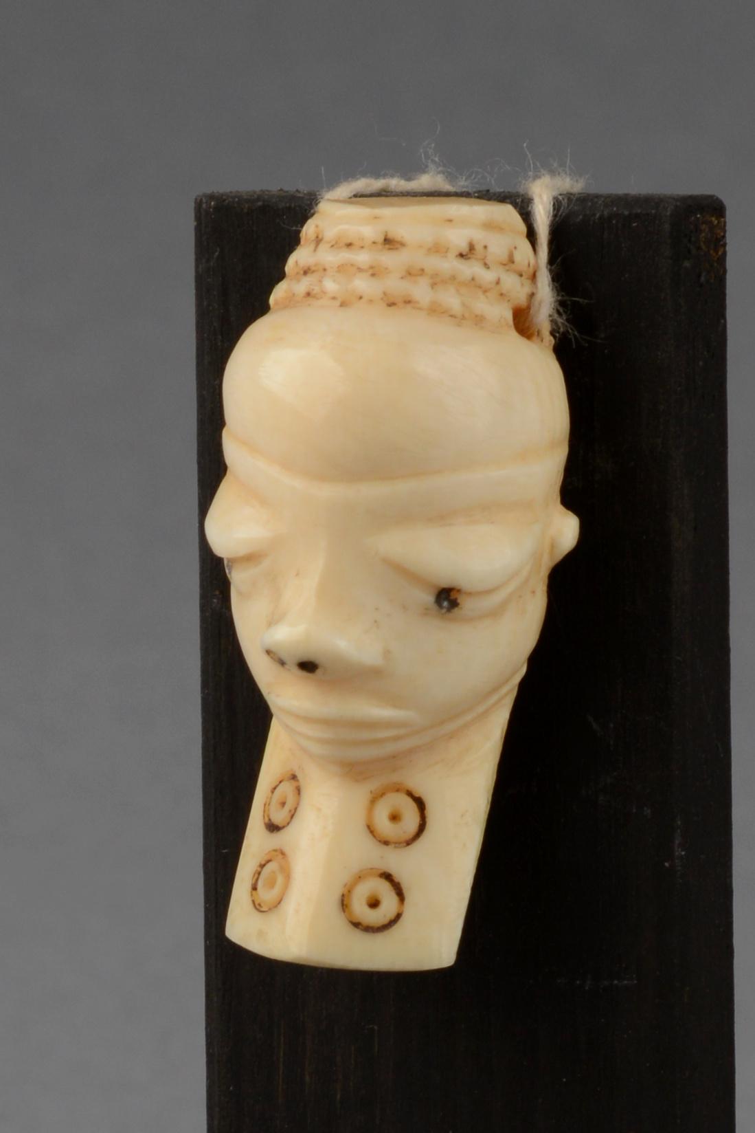 """Anthropomorphic amulet mask """"ikhoko"""""""