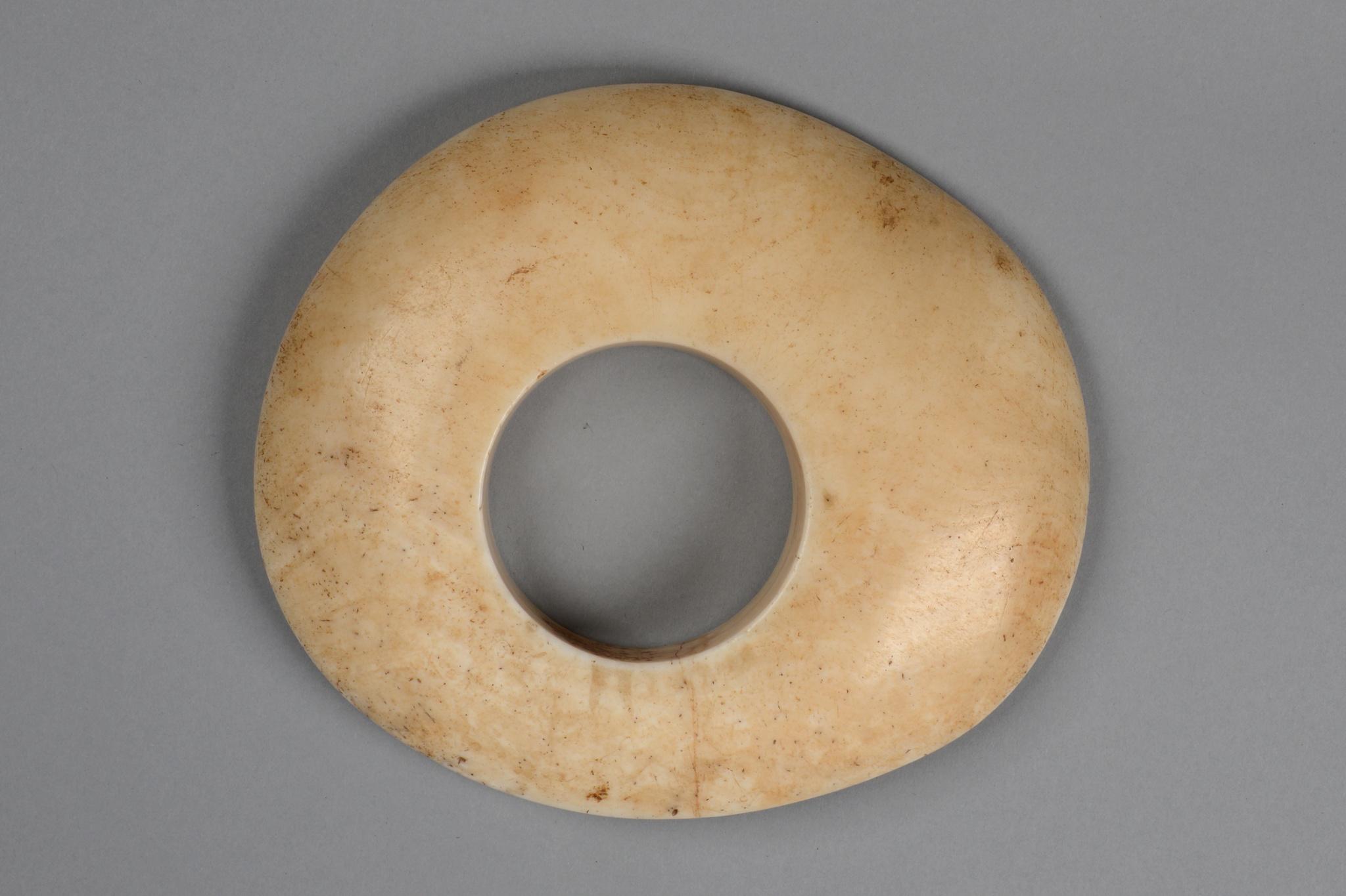 """Shell currency ring """"wamayuwa"""""""
