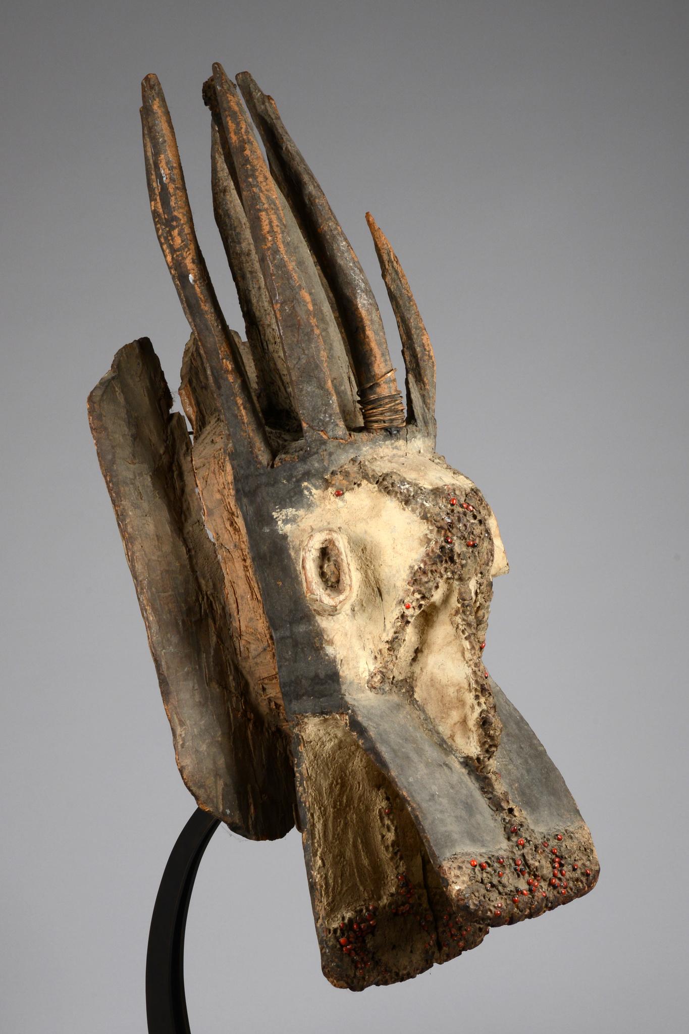 Große zoomorphe Maske