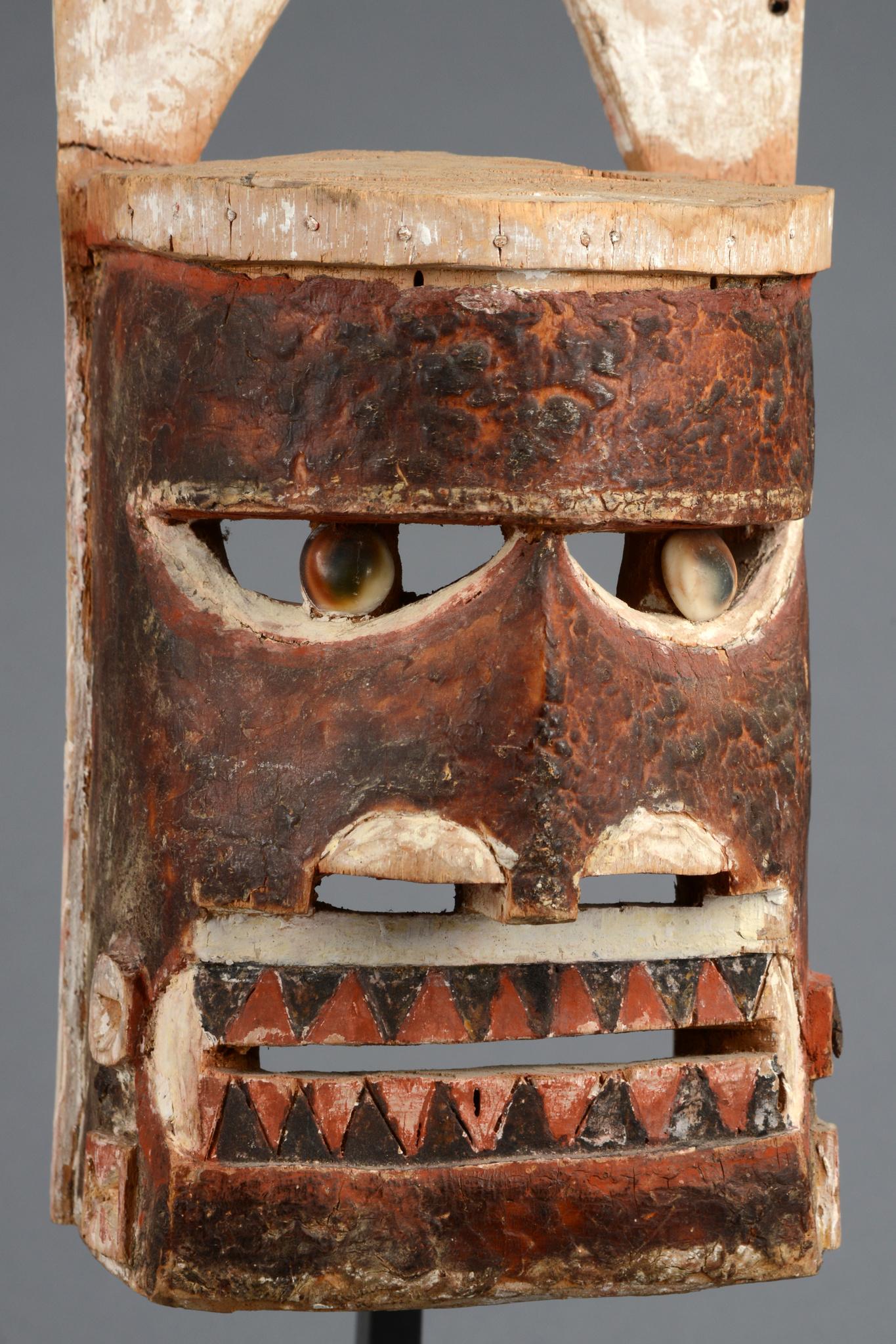 "Mask ""malangan"" with ear planks"
