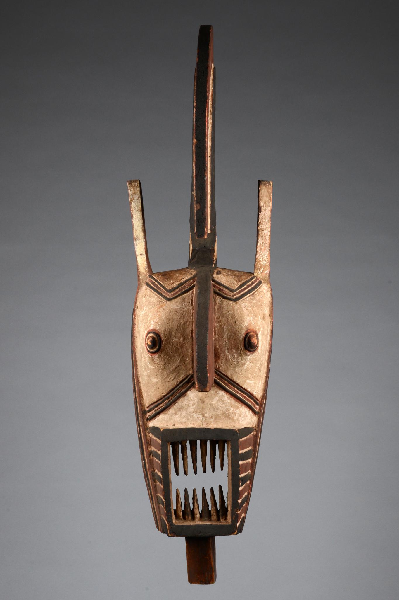 "Anthropozoomorphic mask ""hombo"" or ""kobié"" (rooster)"