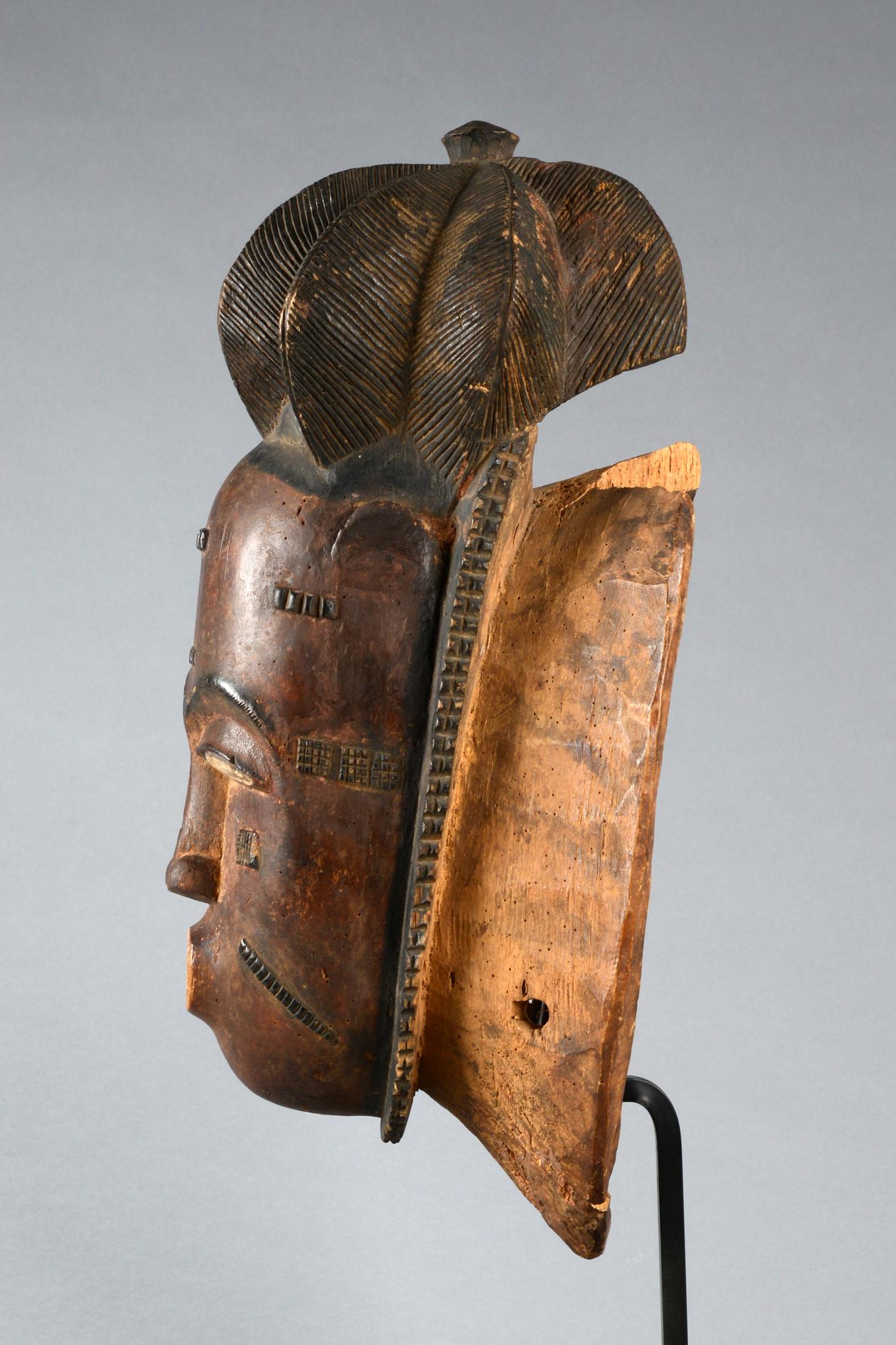 """Porträtmaske """"ndoma"""" der """"mblo""""- Gruppe"""