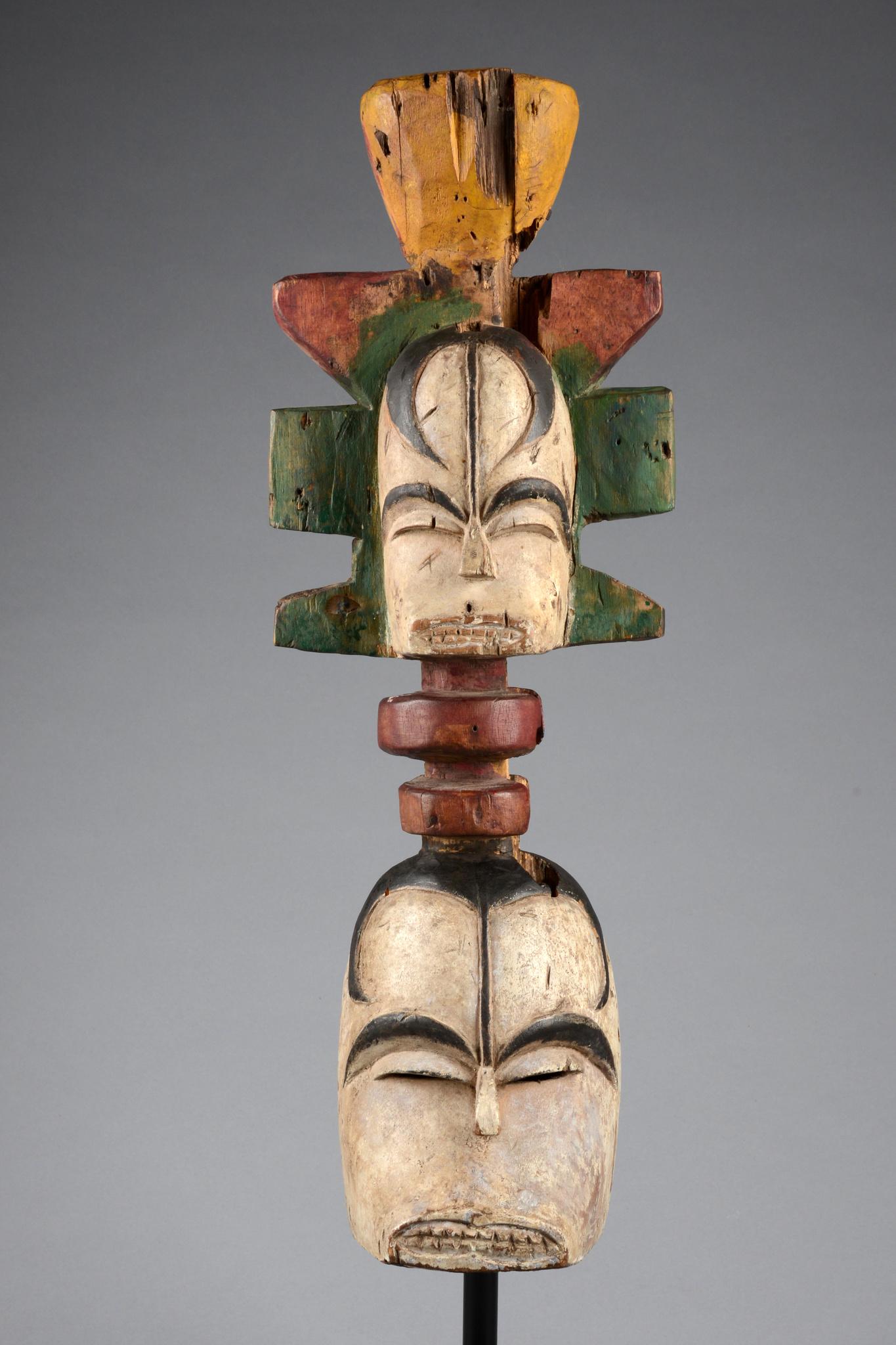 "Anthropomorphe Maske mit janusköpfigem Aufsatz ""okoroshi"""