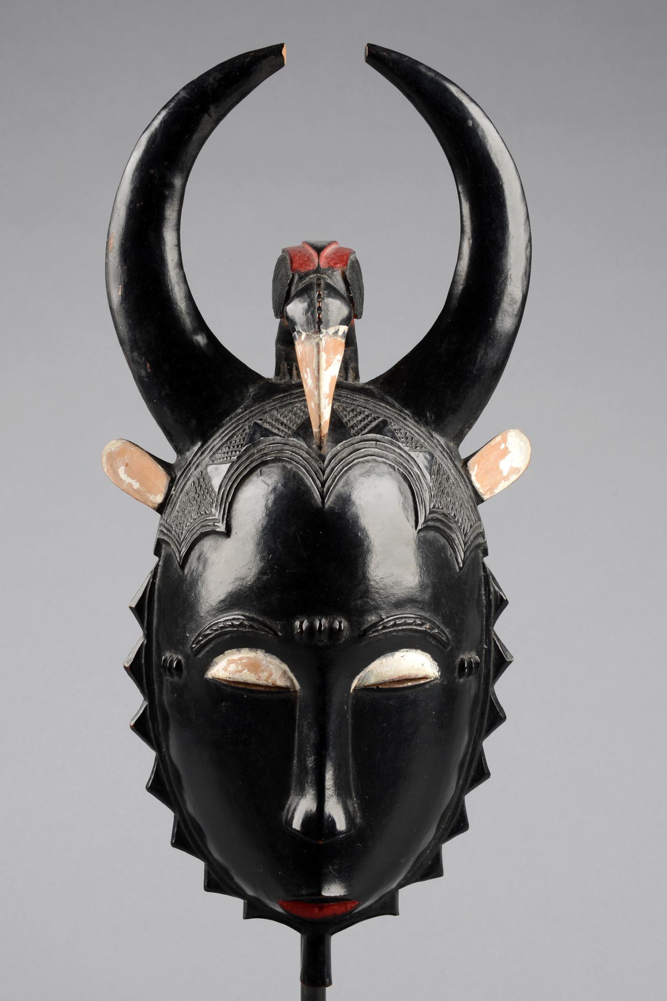 """Anthropomorphe """"tu bodu"""" - Maske der """"lo""""- Gruppe"""