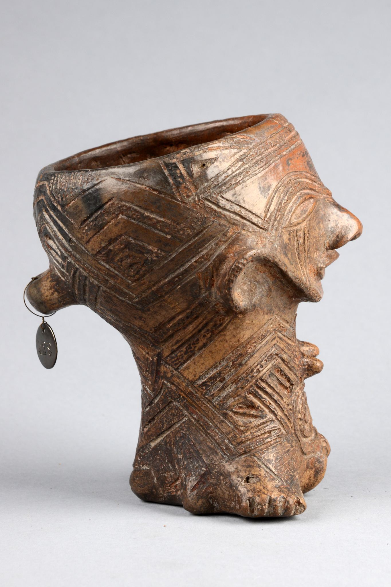 Anthropomorphic cup