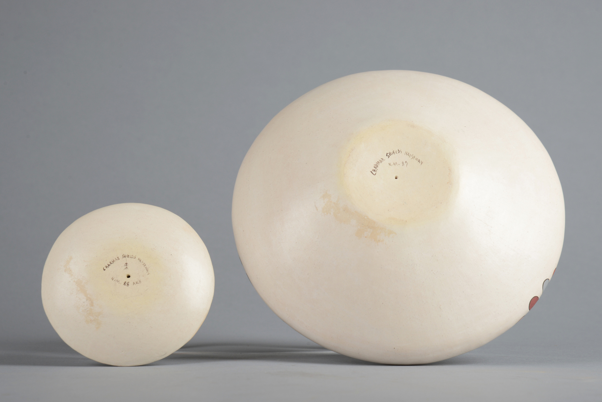 Two seed bowls with Mimbres decor
