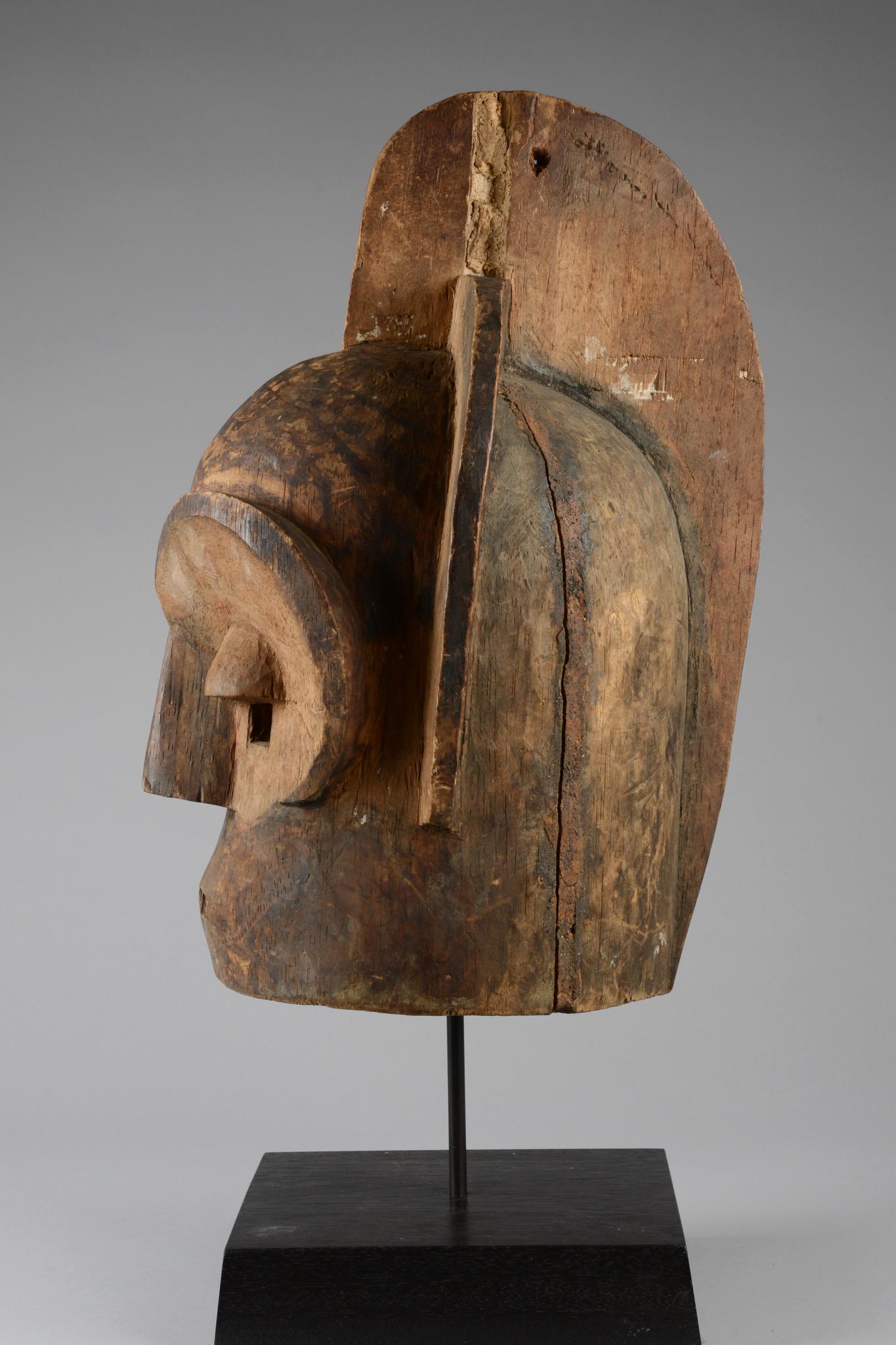 """Helmmaske """"emboli"""" oder """"mbuto"""""""
