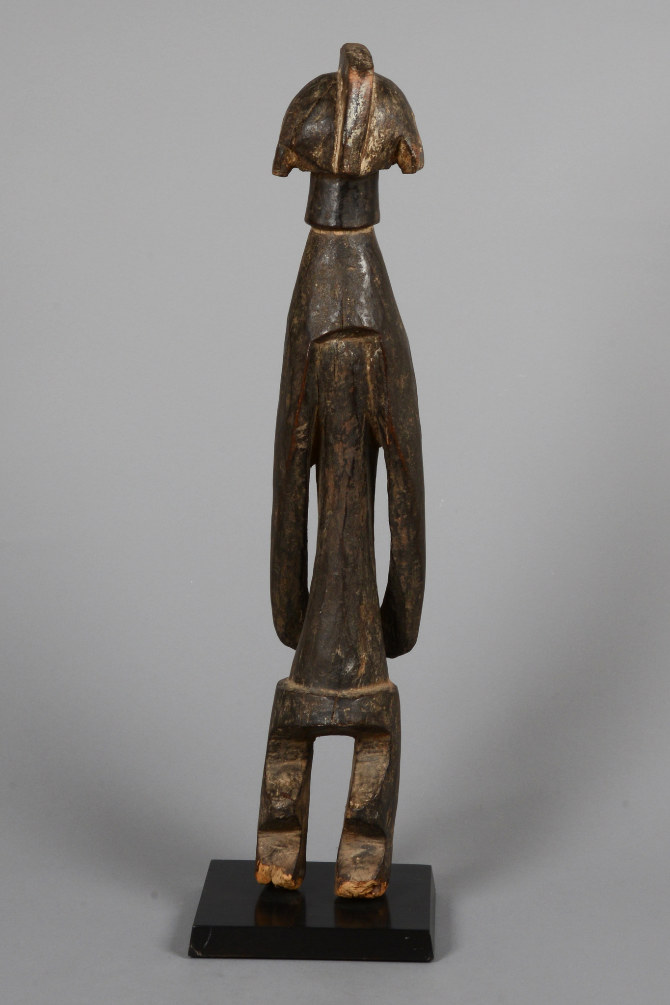 "Standing ancestor figure ""iagalagana"", before 1969"