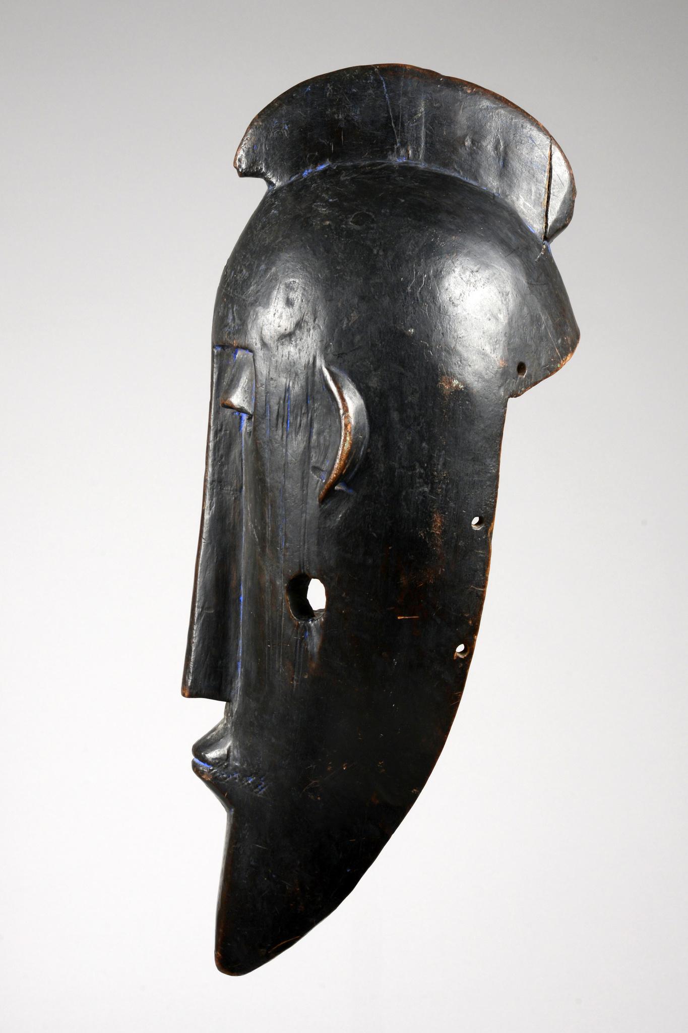 Large anthropomorphic mask