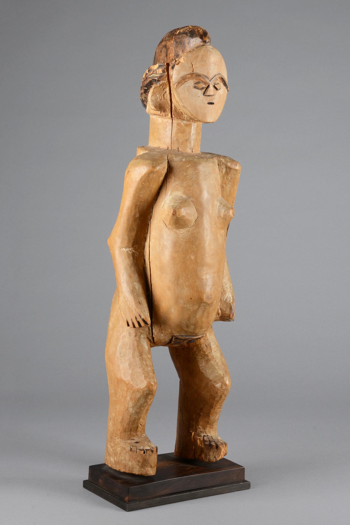 "Rare ancestor figure ""gheonga"""