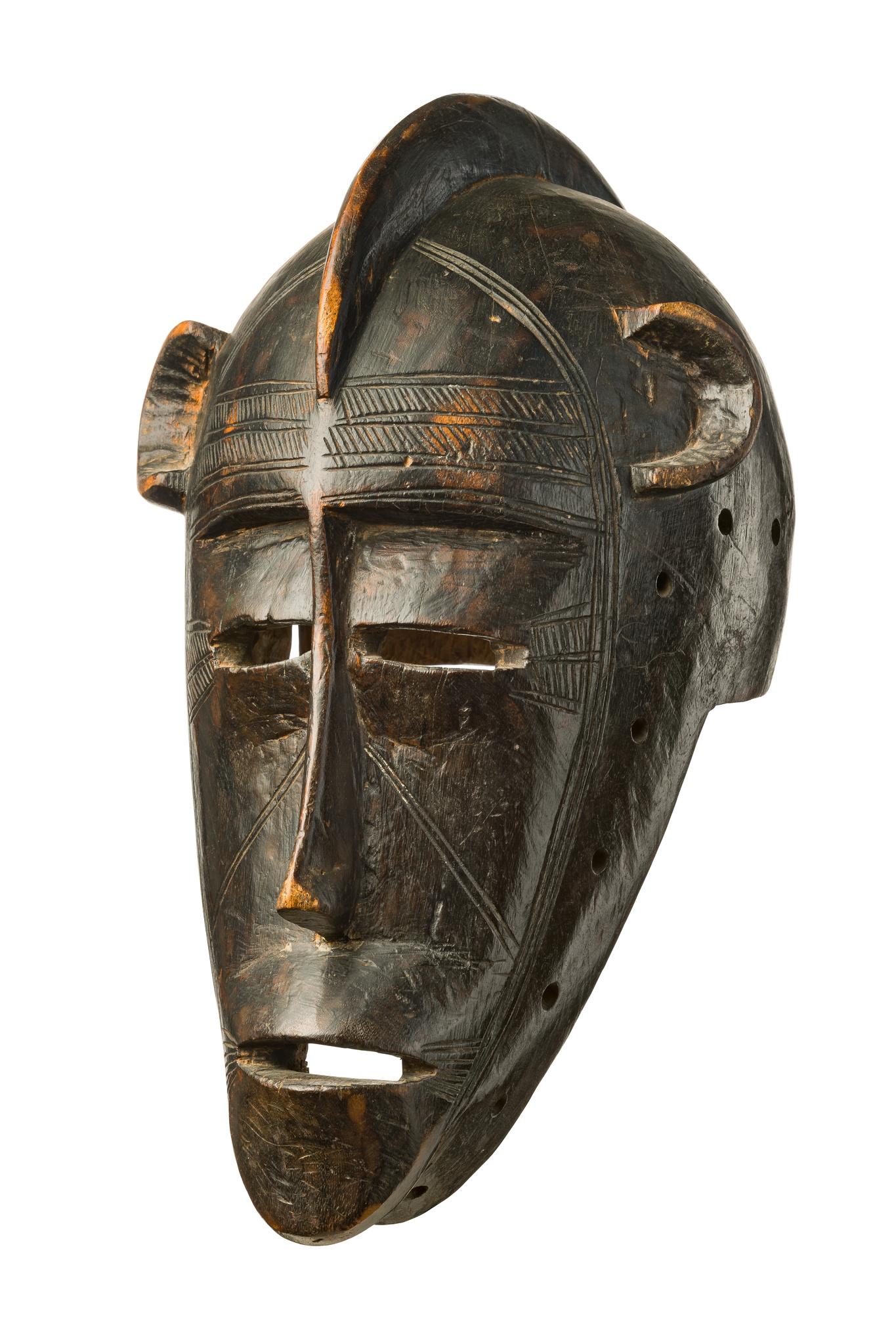 "Anthropomorphic helmet mask ""bolo"""
