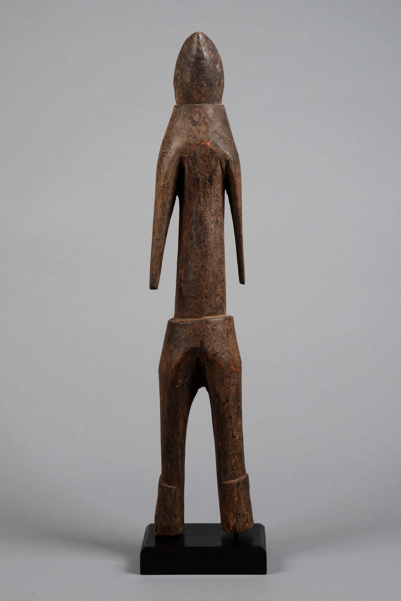 Stehende anthropomorphe Figur