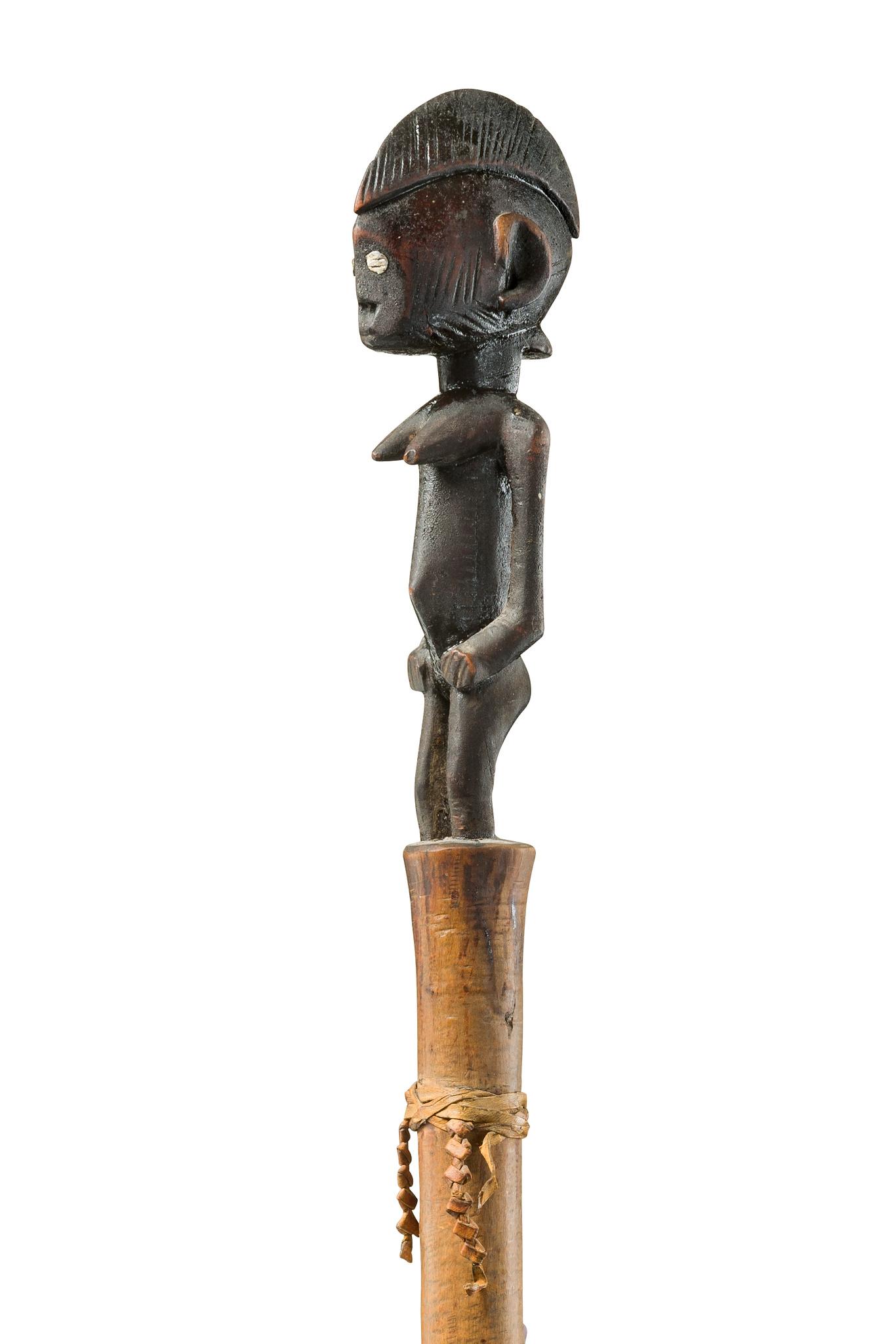 Figural beschnitzter Würdestab
