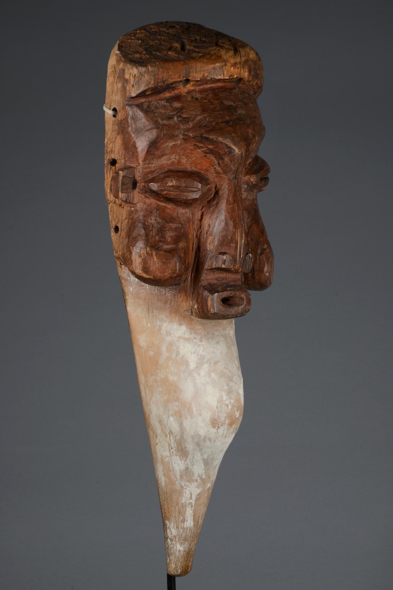 "Mask ""kaseba"" of the ""n-khanda"" initiation"