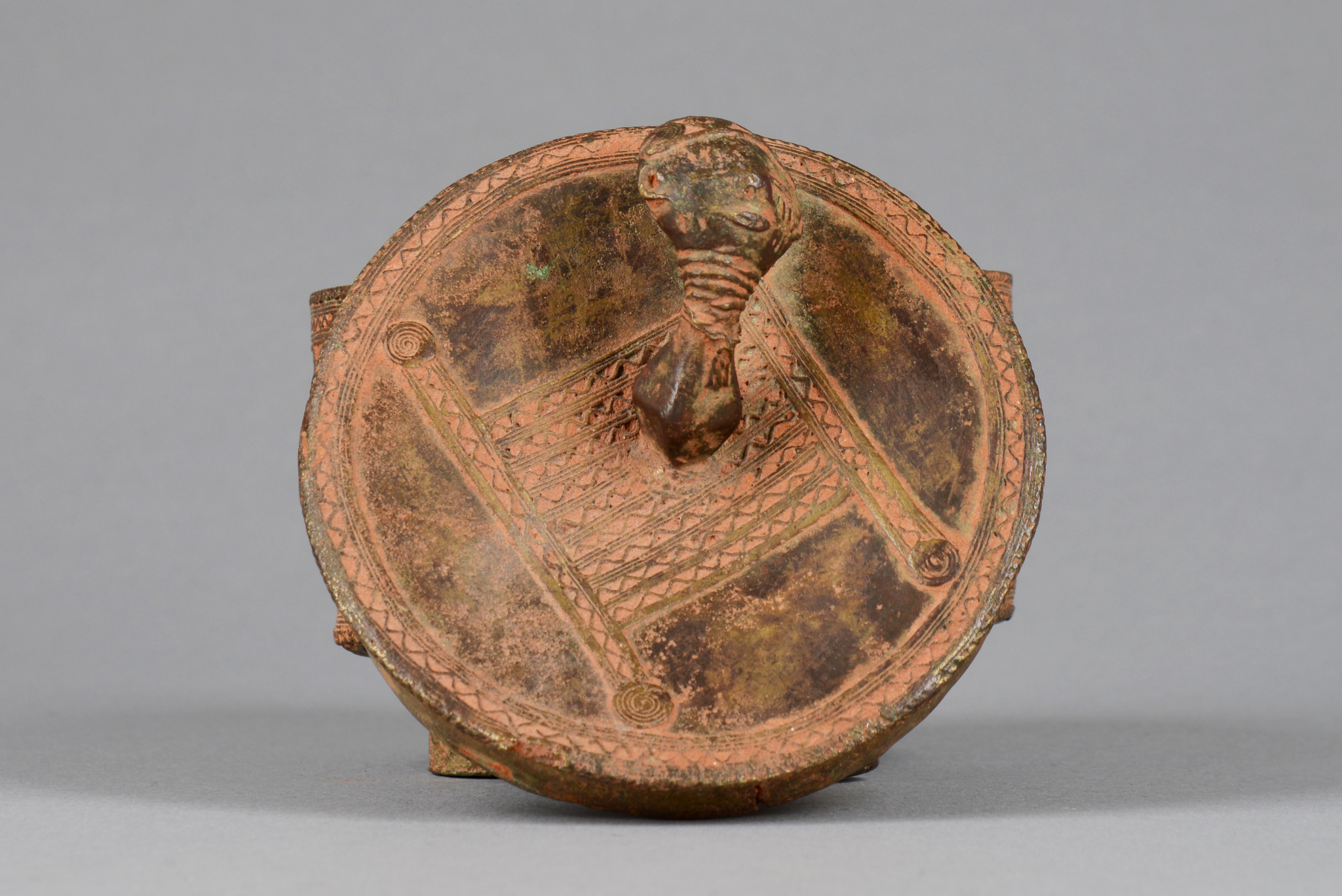 "Lidded vessel ""kuduo"" with anthropomorphic head as handle"